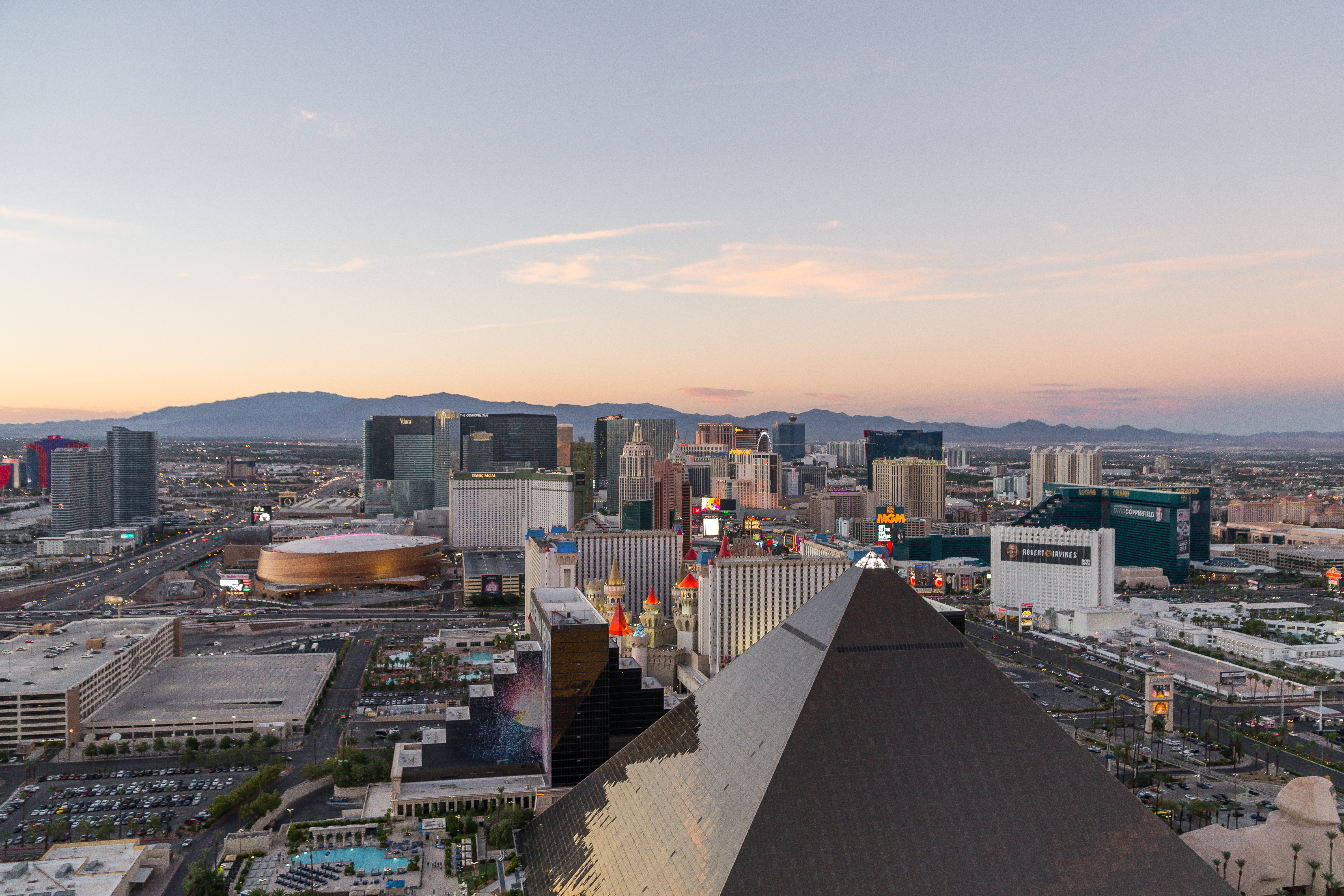 How To Eat Your Way Through the Las Vegas Strip in 24 Hours