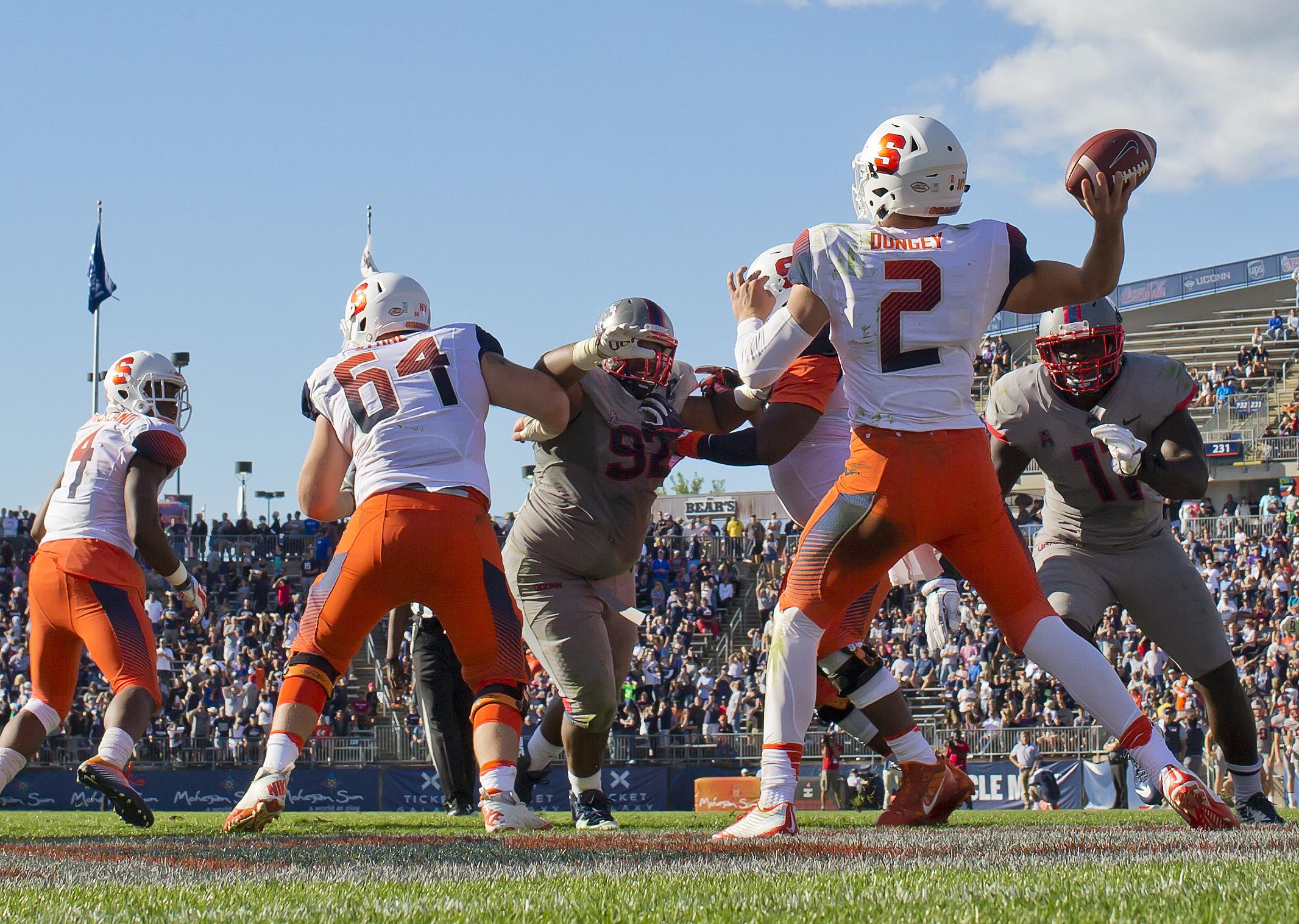 NCAA Football: Syracuse at Connecticut