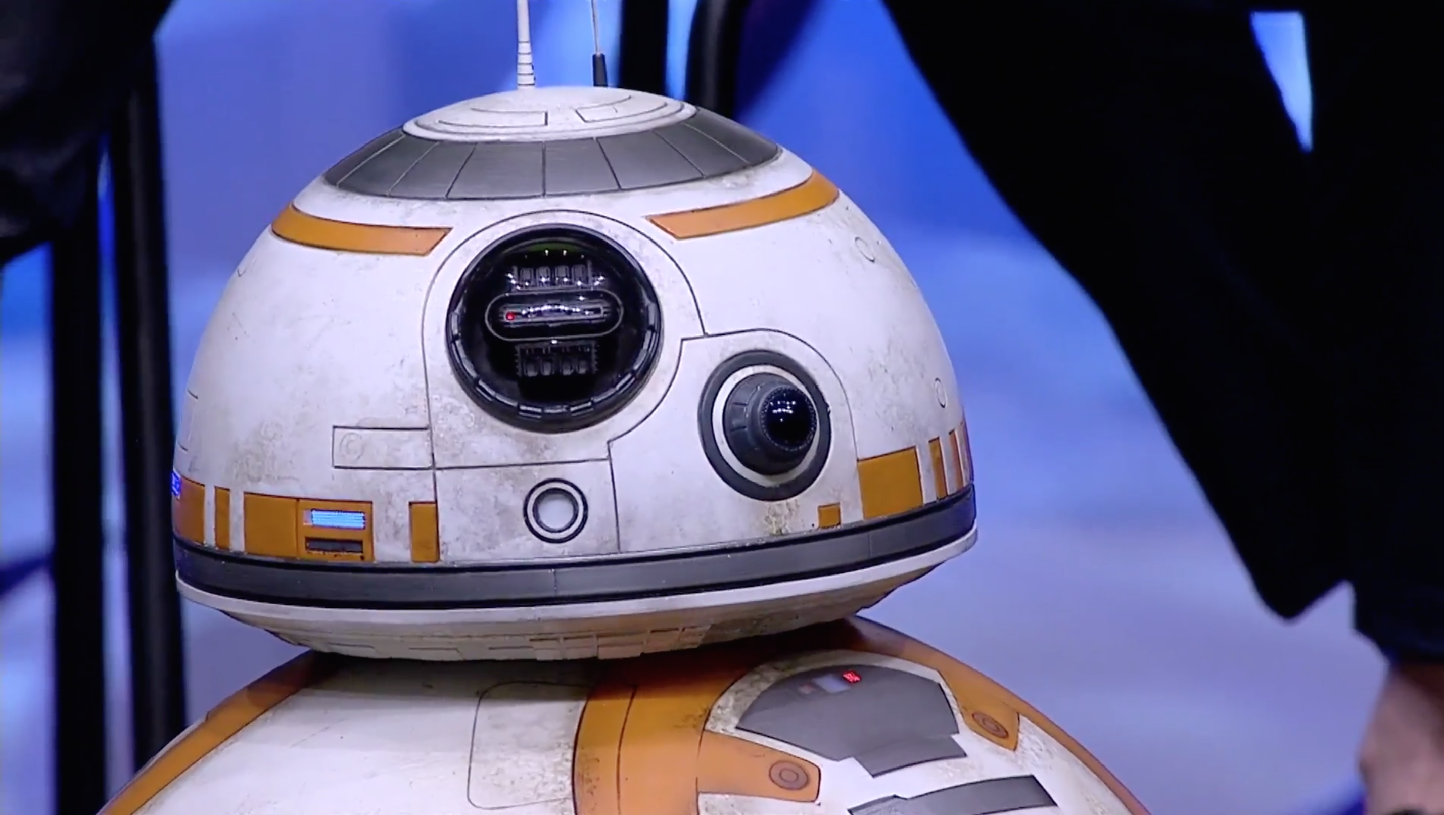 Working droids, new heroes and Han Solo images prove that Star Wars is amazing again