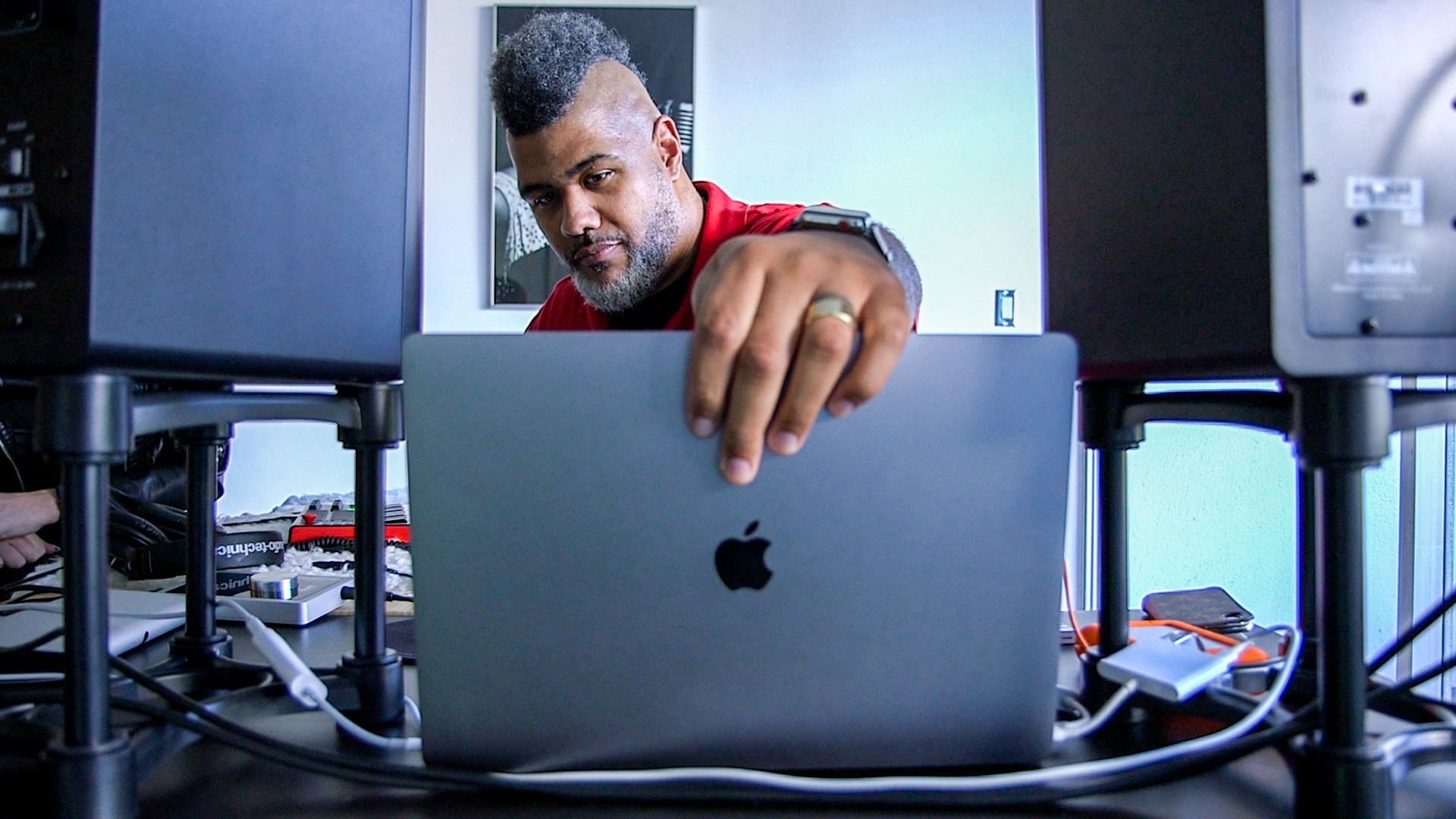 How Grammy-winning producer Oak Felder turns his laptop into a