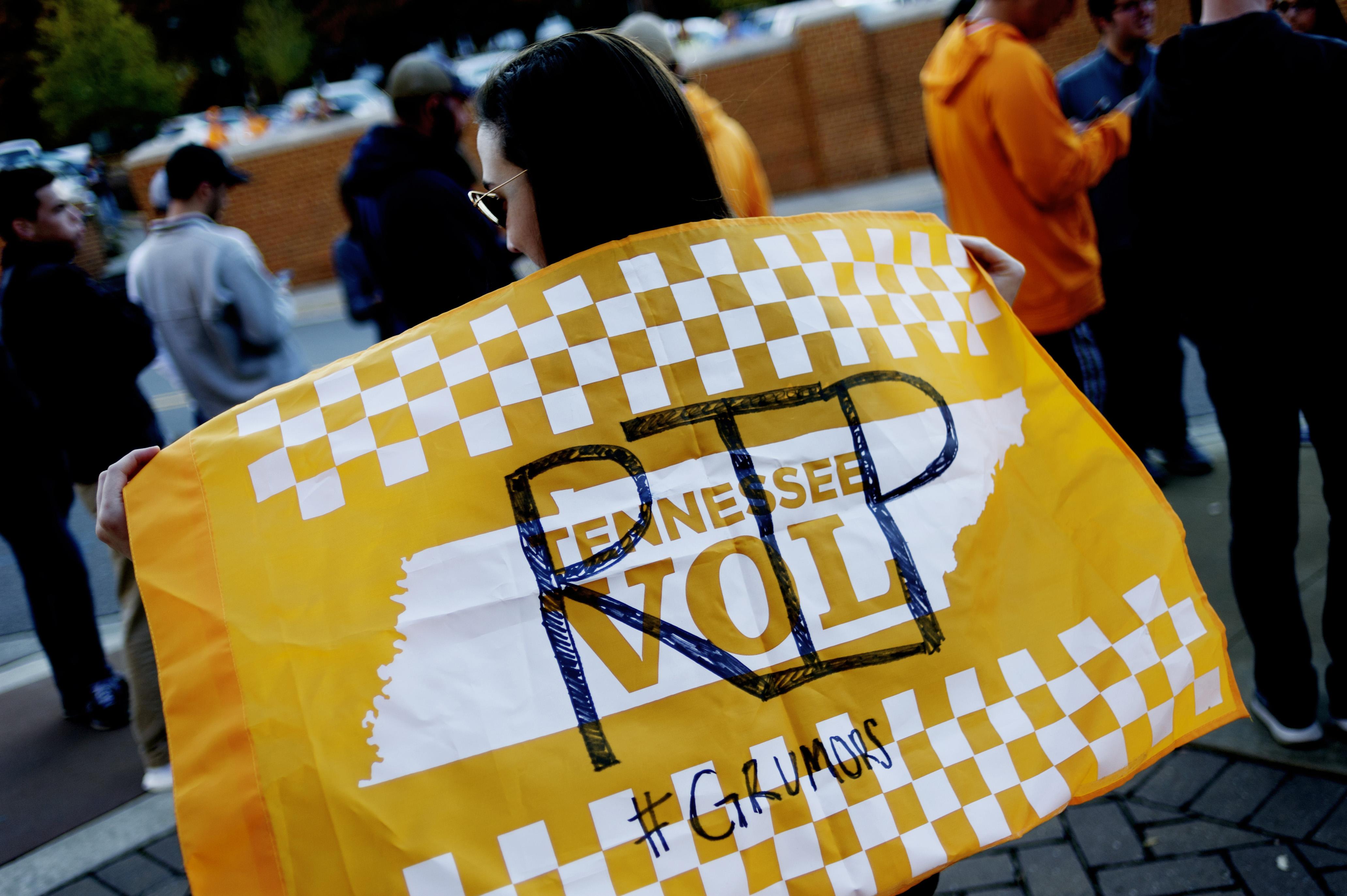 Sports: Schiano Tennessee Fan Reaction