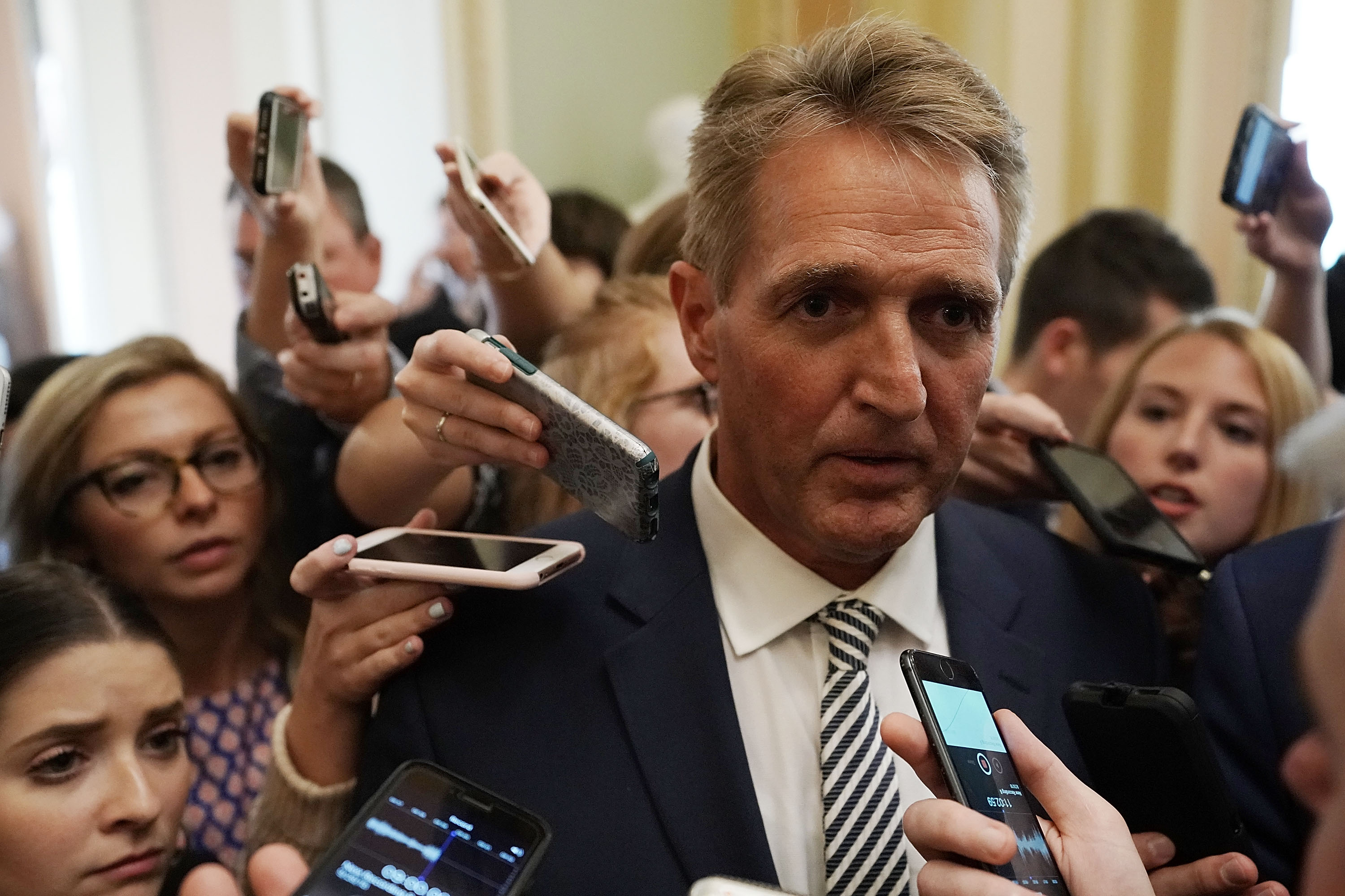 Sen. Jeff Flake announces he plans to vote yes on Kavanaugh