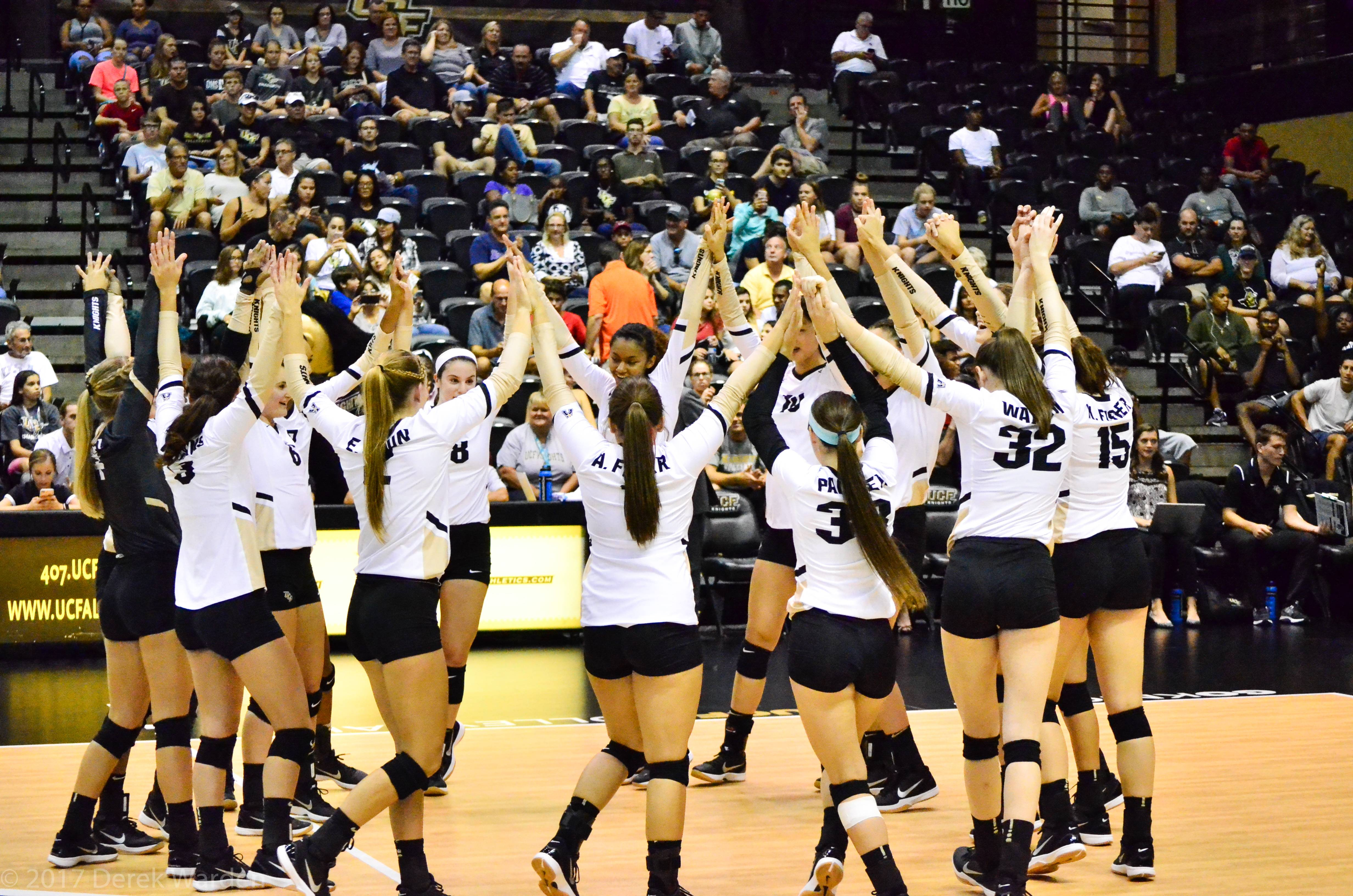 UCF Volleyball (Photo: Derek Warden)
