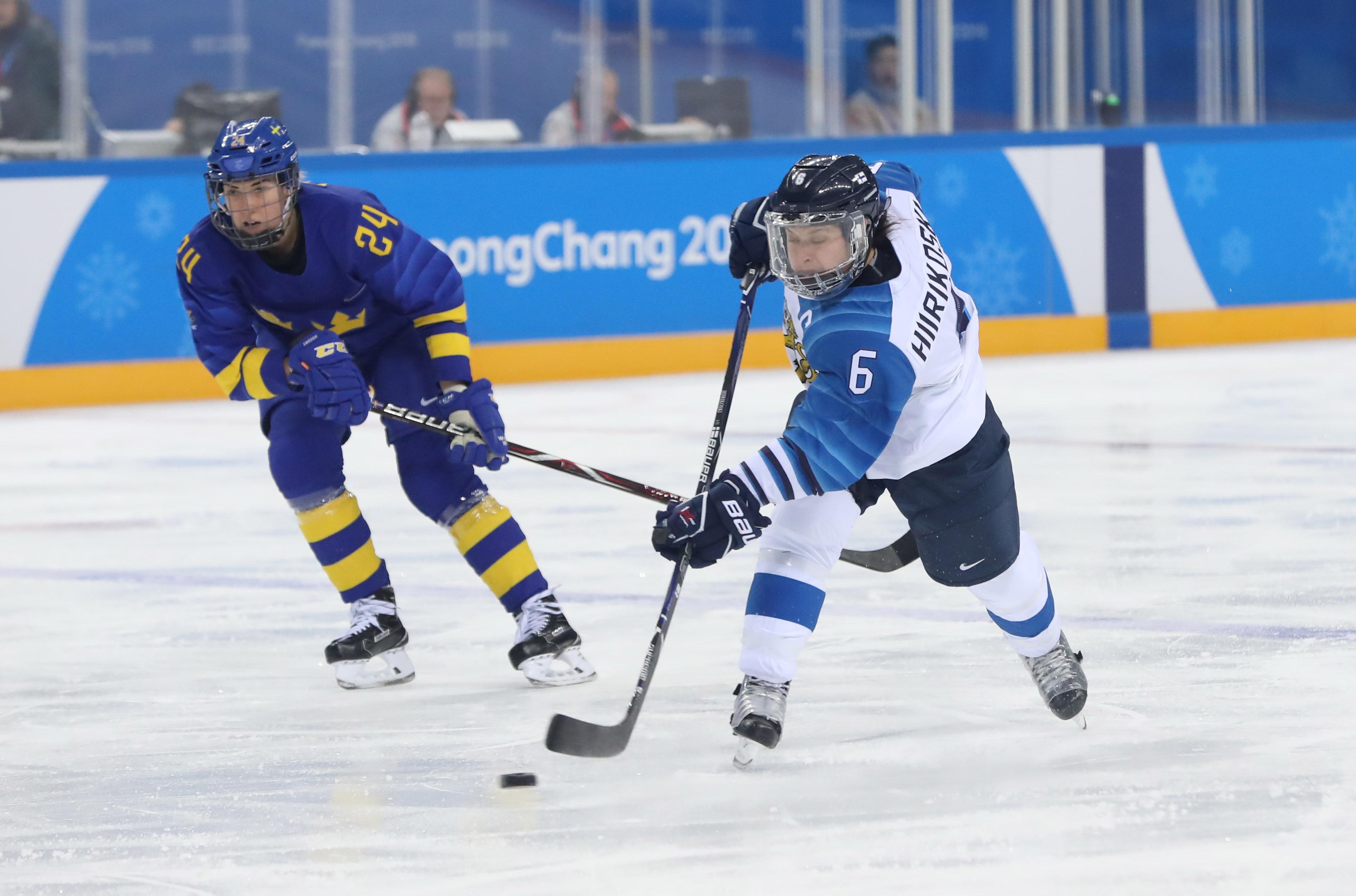 Olympics: Ice Hockey-Women Team Quarterfinal - FIN-SWE
