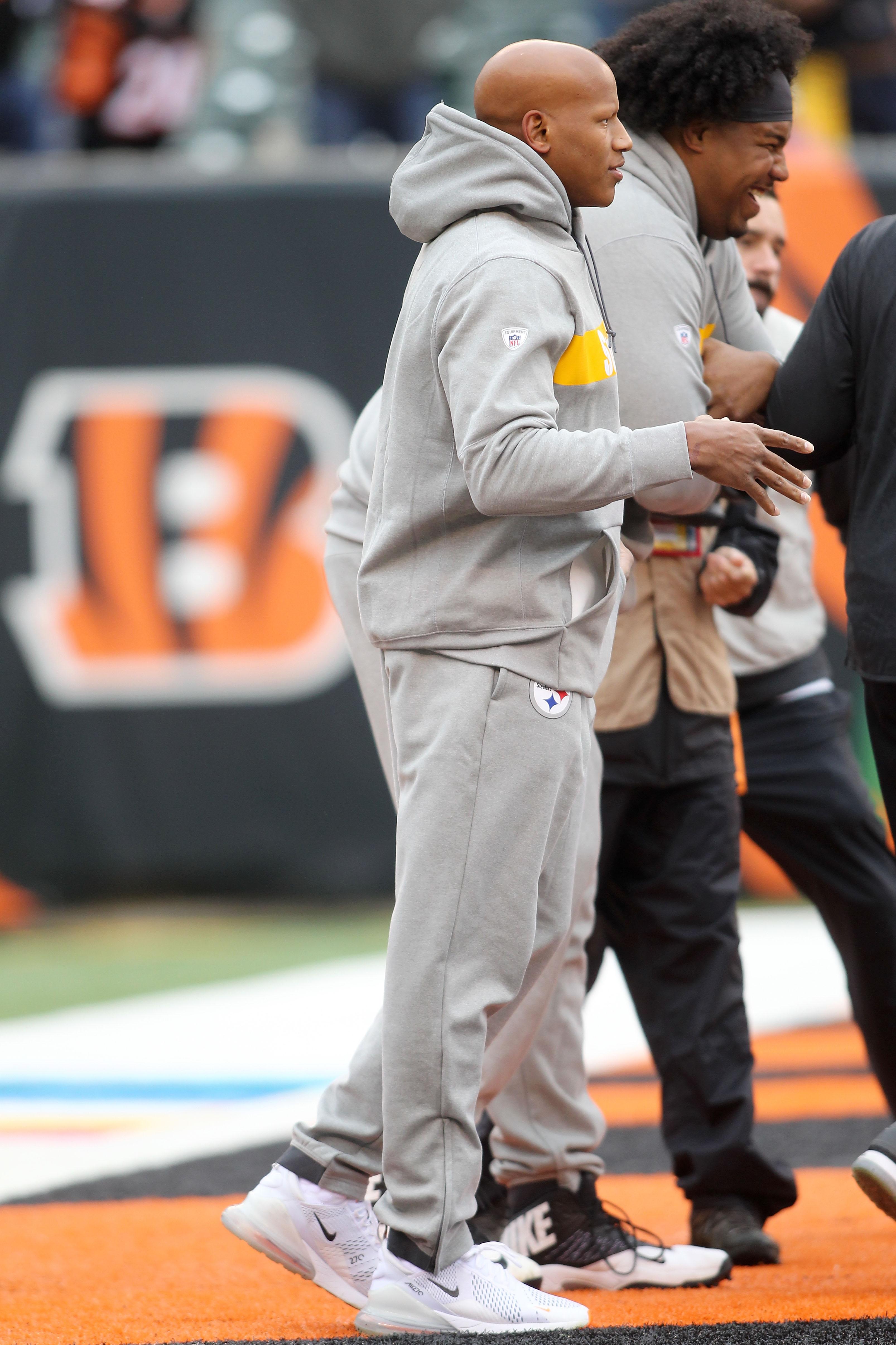 Ryan Shazier walks onto the Cincinnati field where he suffered his spinal injury