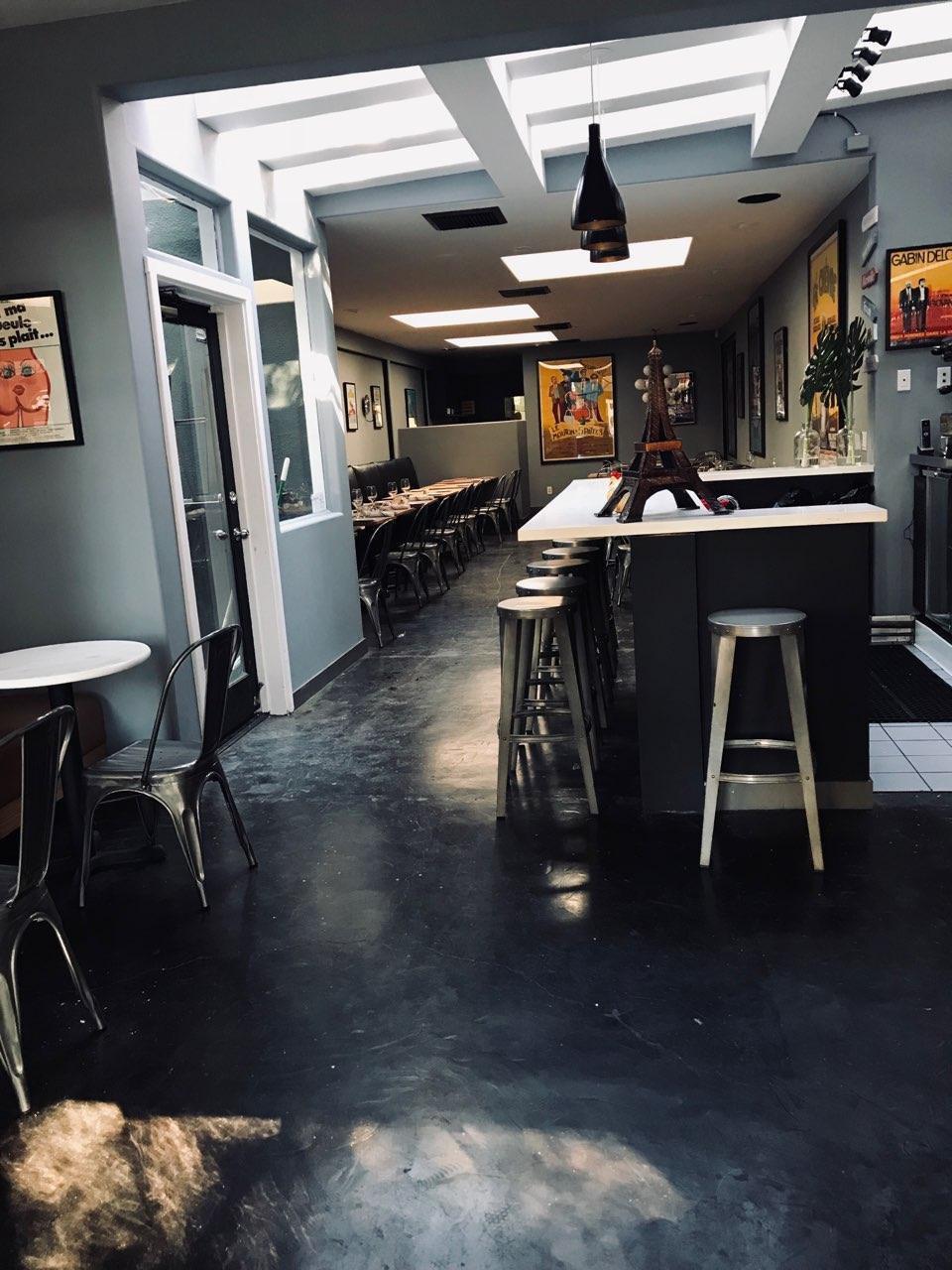 Reality Star Lisa Vanderpump\'s New Victorian Lounge Opens in West ...