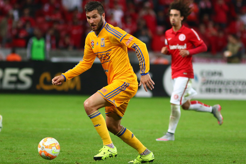 Internacional v Tigres - Copa Bridgestone Libertadores 2015 Semi-Finals