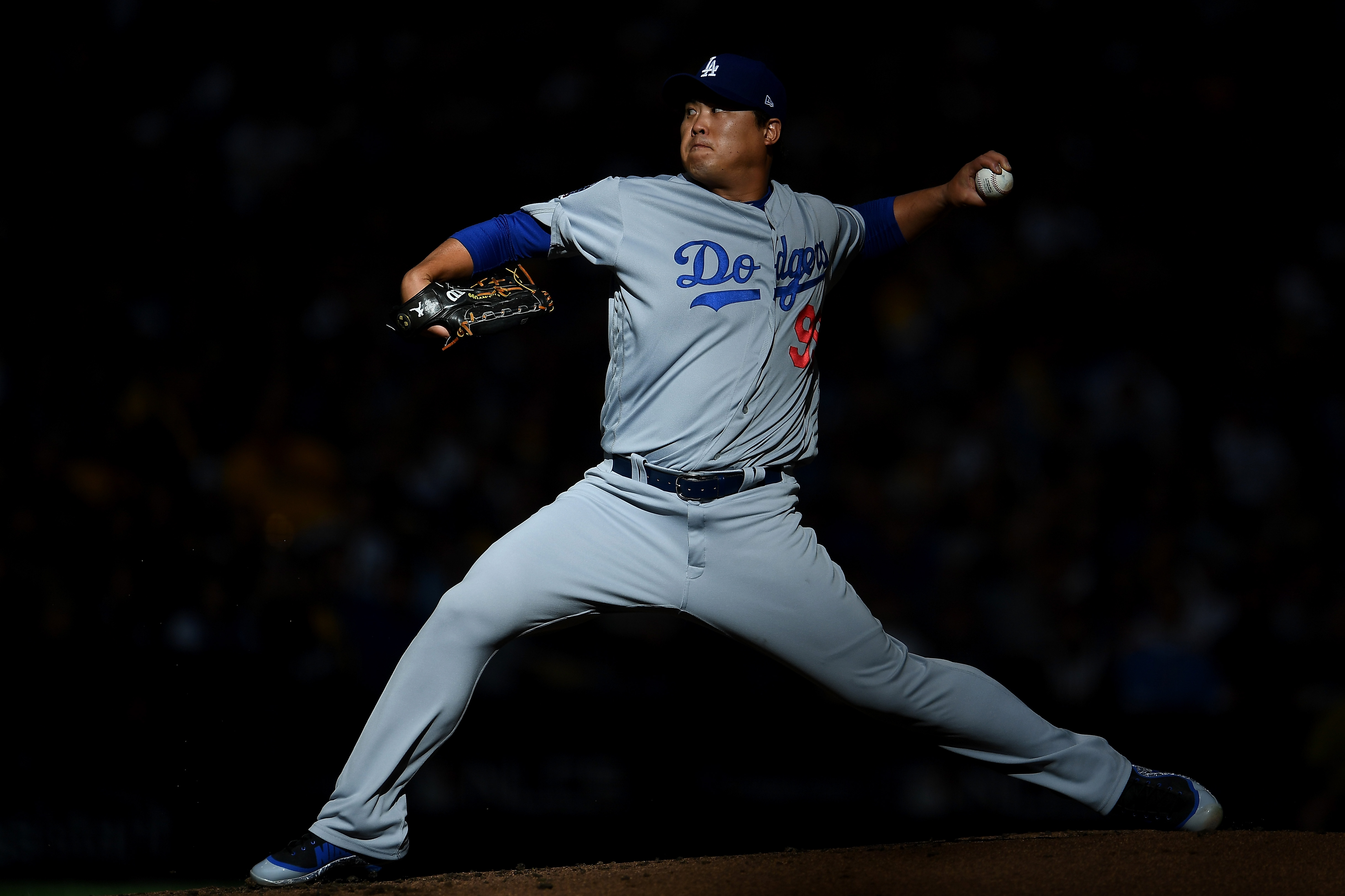 League Championship Series - Los Angeles Dodgers v Milwaukee Brewers - Game Two