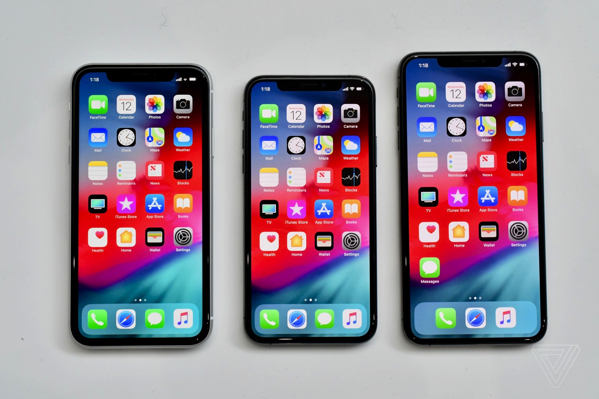 Le Unveils Repair Pricing For Iphone Xr Screen Fix Costs 199 The Verge