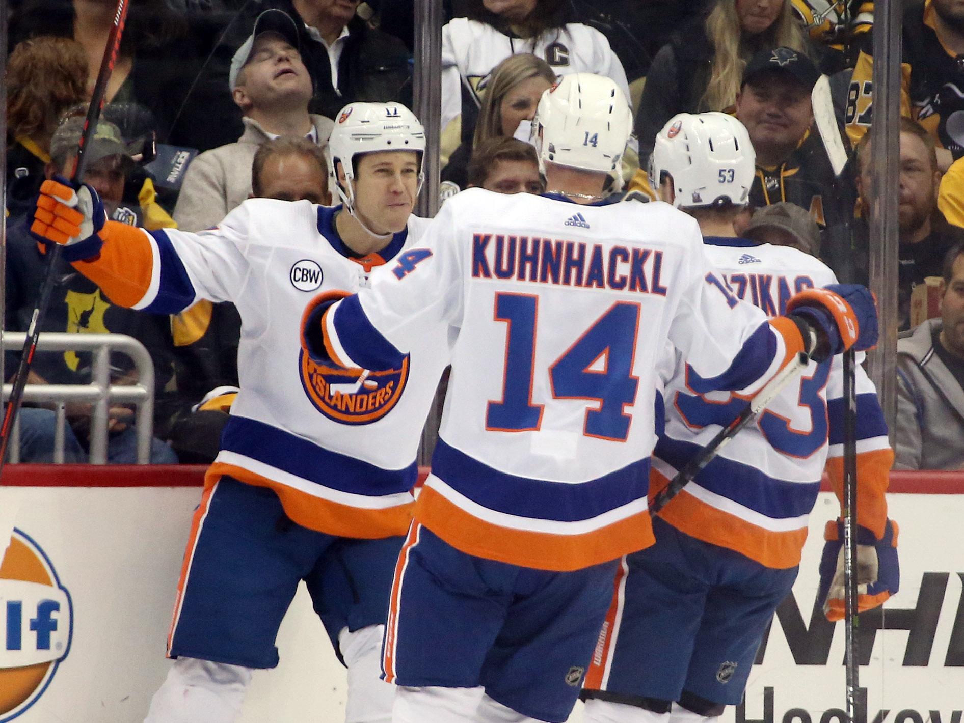 NHL: New York Islanders at Pittsburgh Penguins