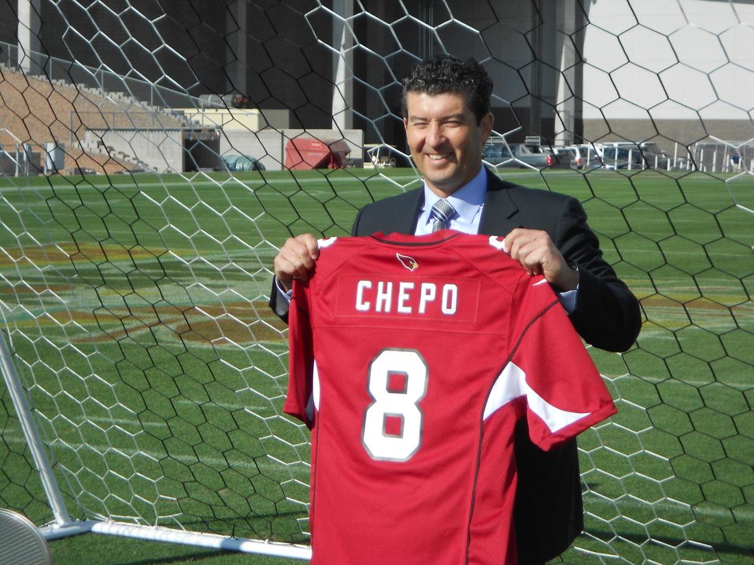 "Mexico coach Jose Manuel ""Chepo"" de la Torre at University of Phoenix Stadium"