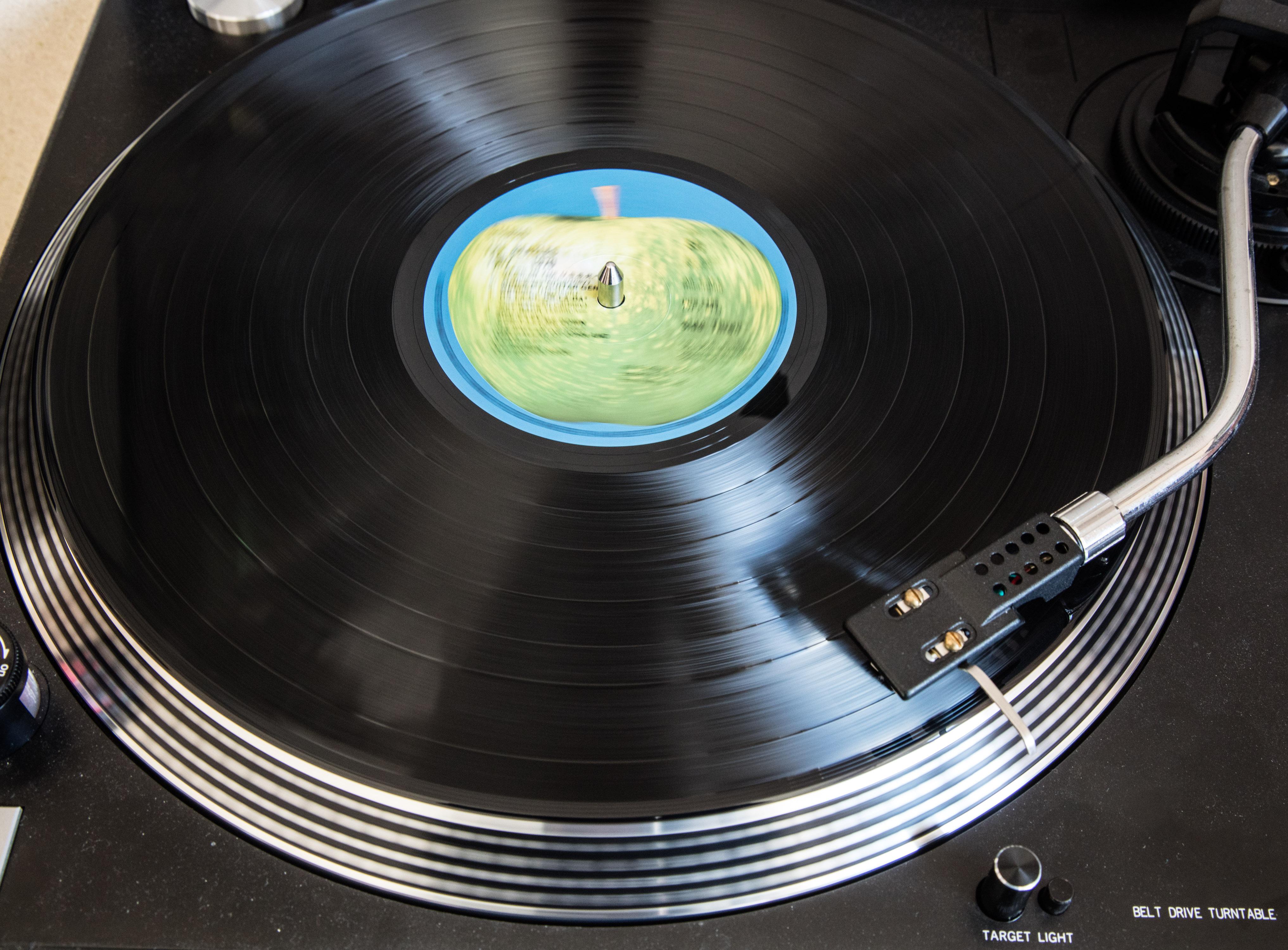 British Record Shops See A Vinyl Revival