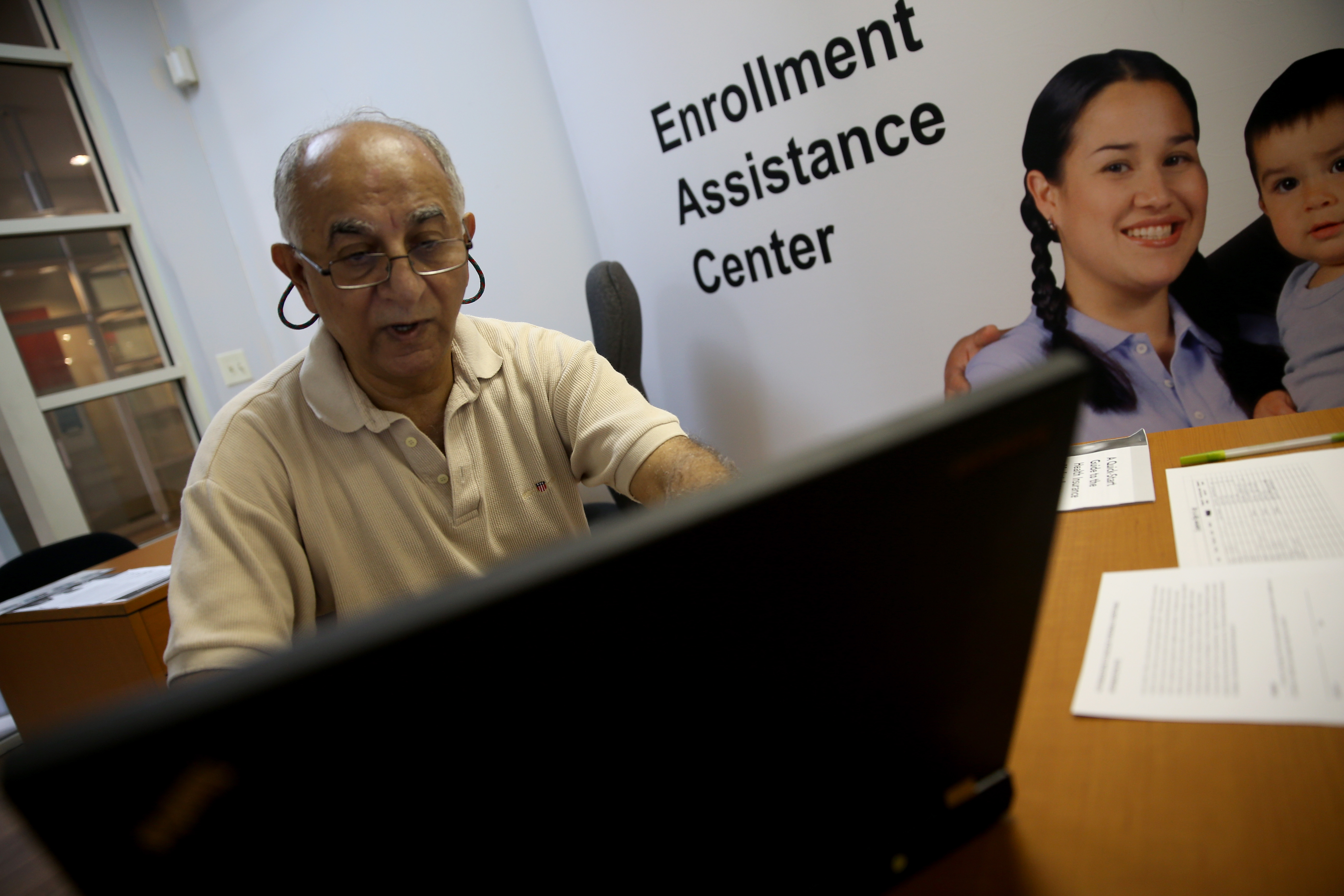 Americans Sign Up For Health Insurance On ACA Deadline Day