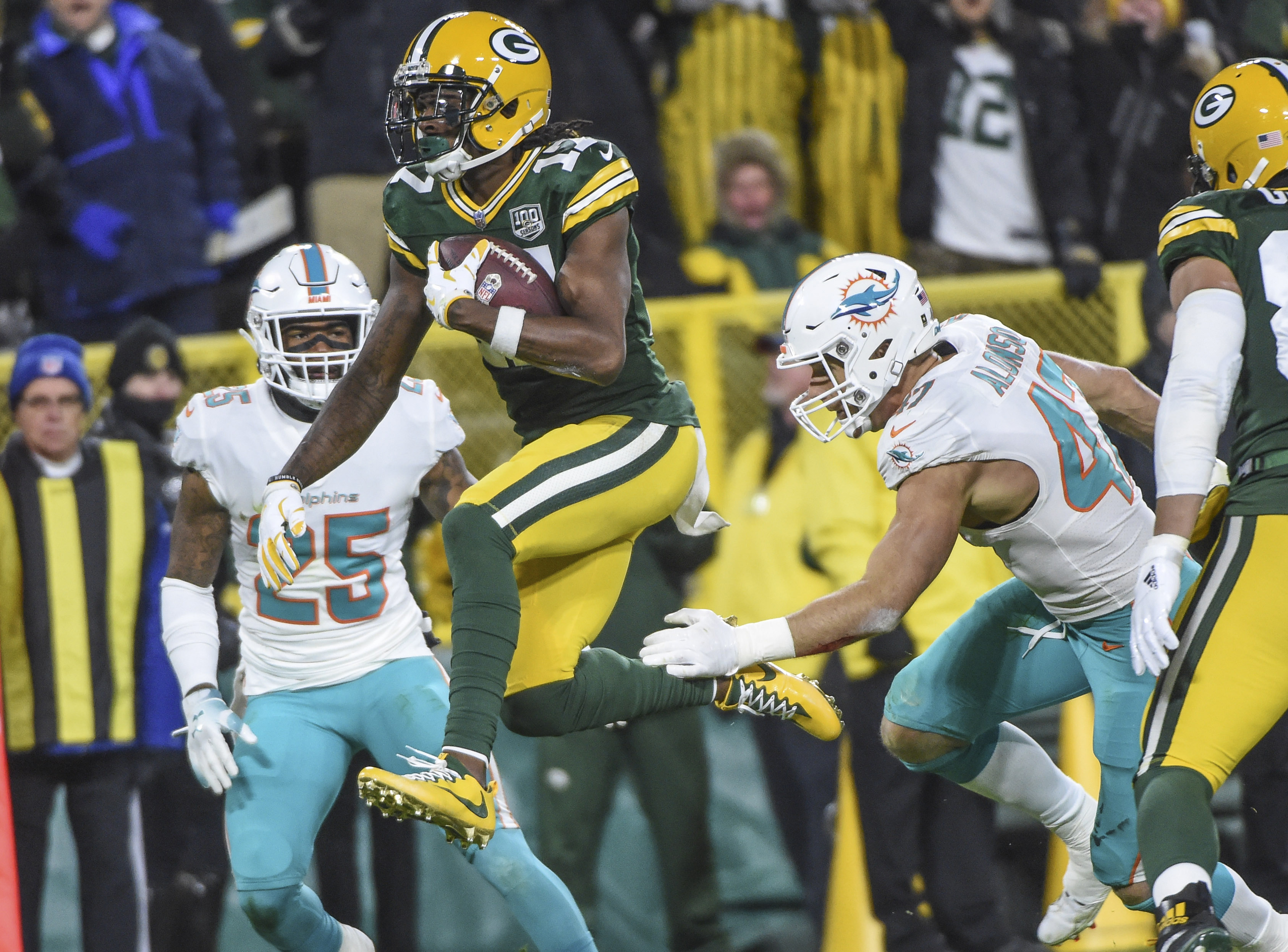 NFL: Miami Dolphins at Green Bay Packers