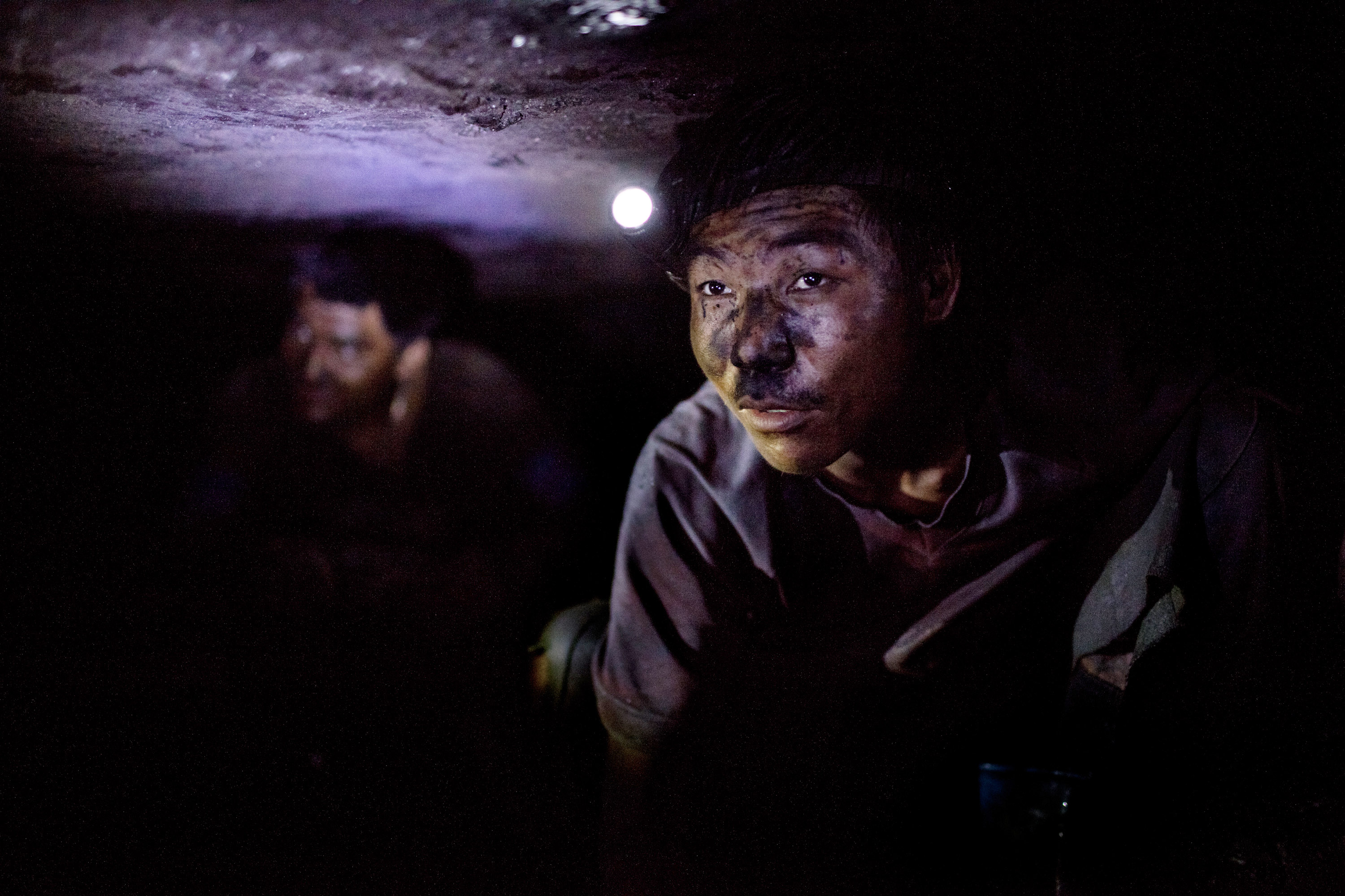 Promise Of Coal Riches Lures Workers To Indias Wild East