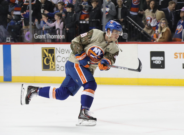 Vancouver Canucks v New York Islanders