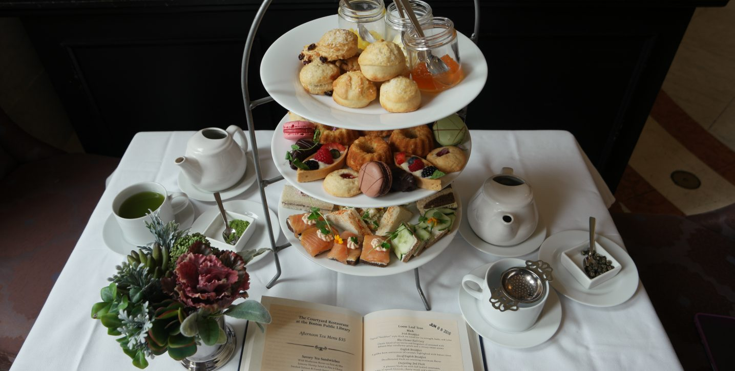 Celebrate the Holiday Season With Weekday Lunches and Afternoon Teas