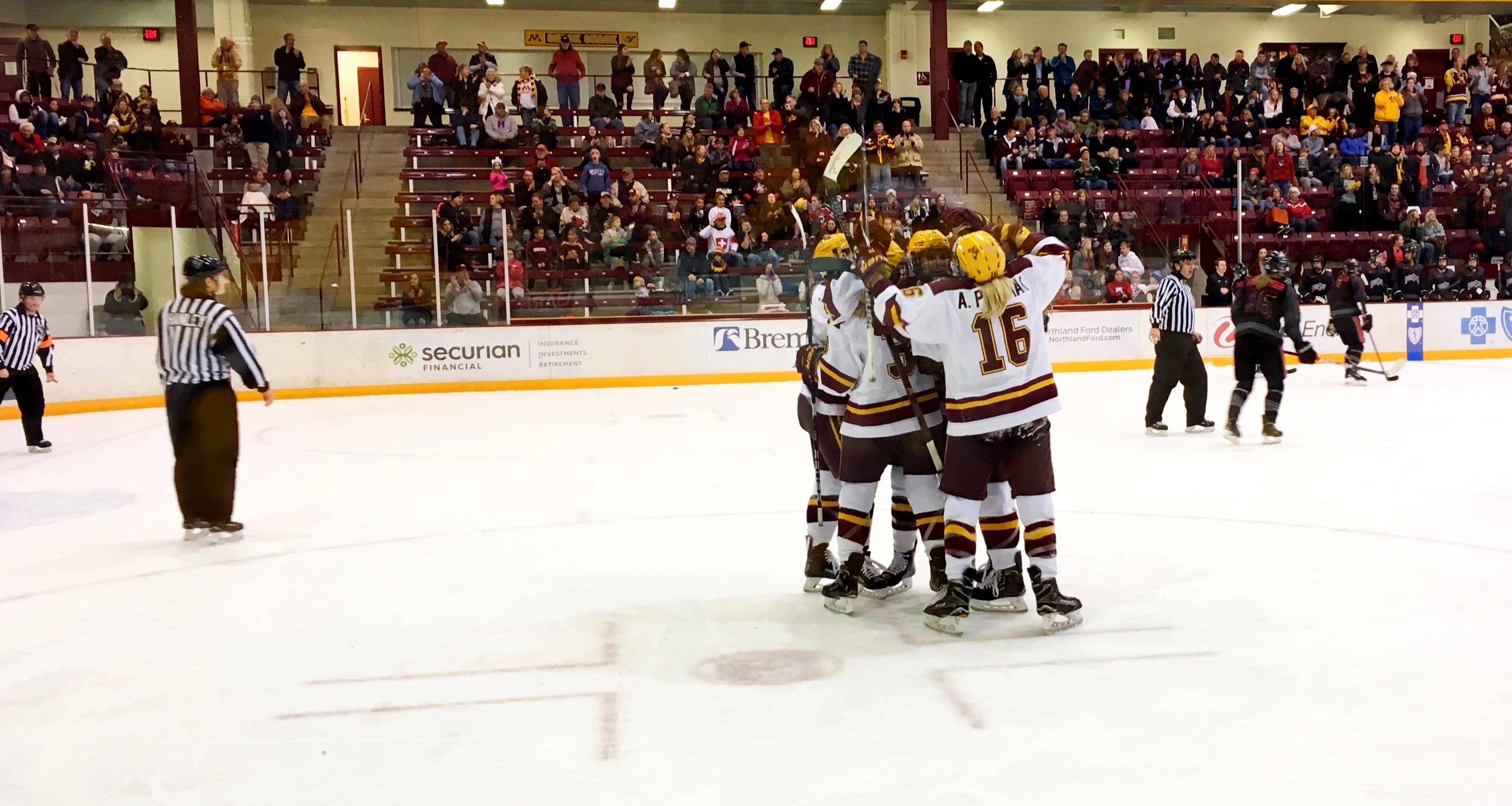 Women - Minnesota Gophers Top St. Lawrence Saints