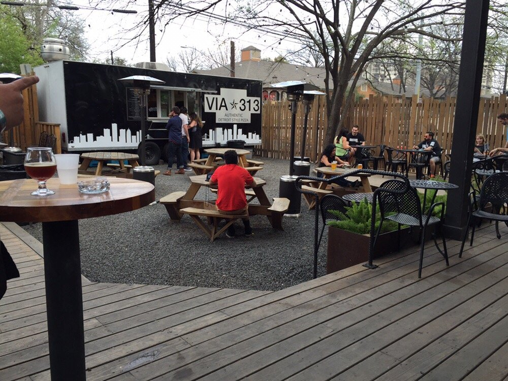 32 Best Austin Patios Near Sxsw For Outdoor Drinking And Eating Eater