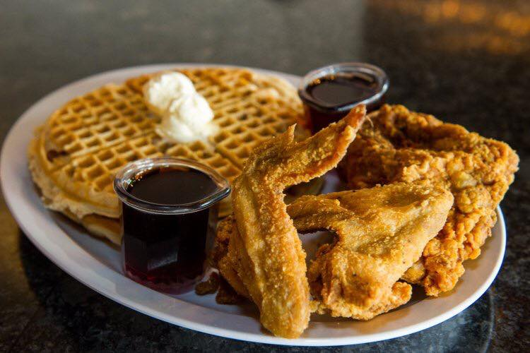Chicagos 20 Best Pieces Of Fried Chicken Eater Chicago