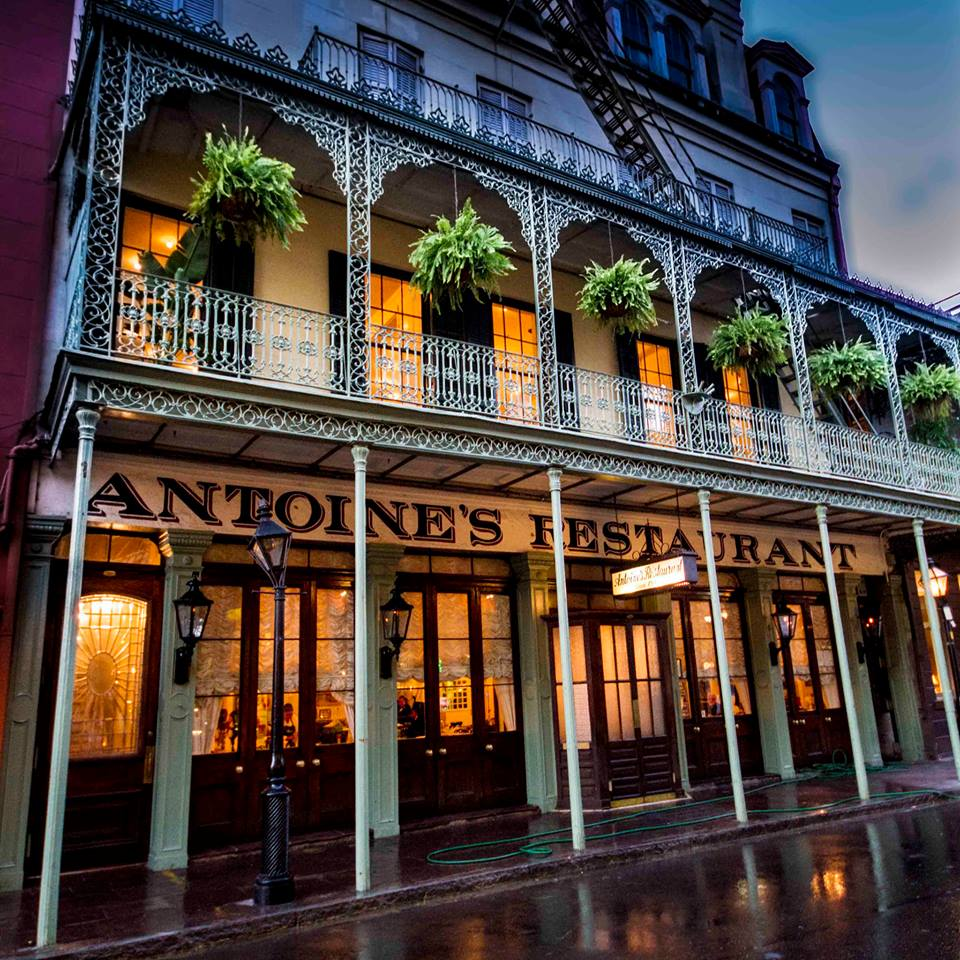 35 Iconic French Quarter Dining Experiences