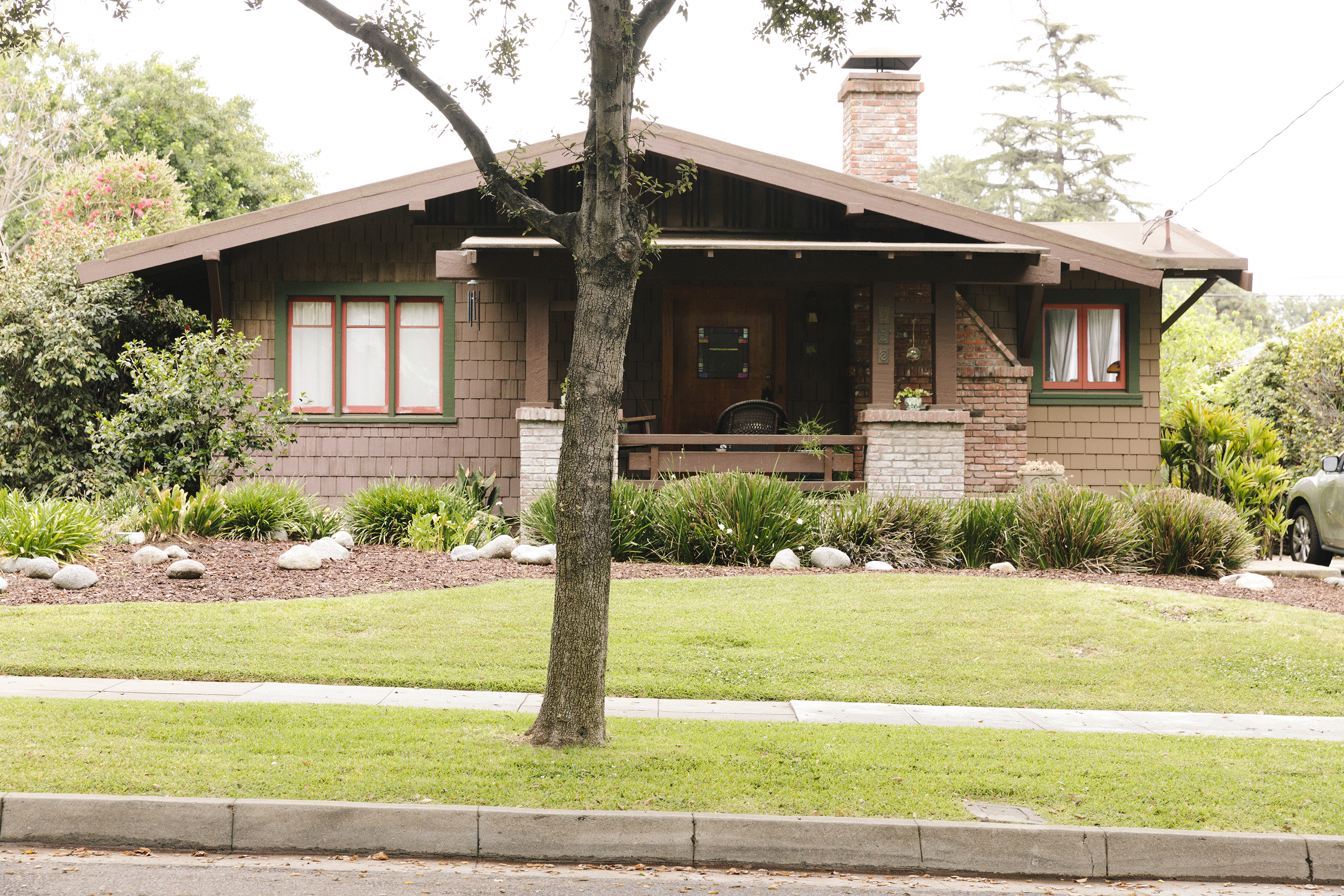 Craftsman house in Bungalow Heaven