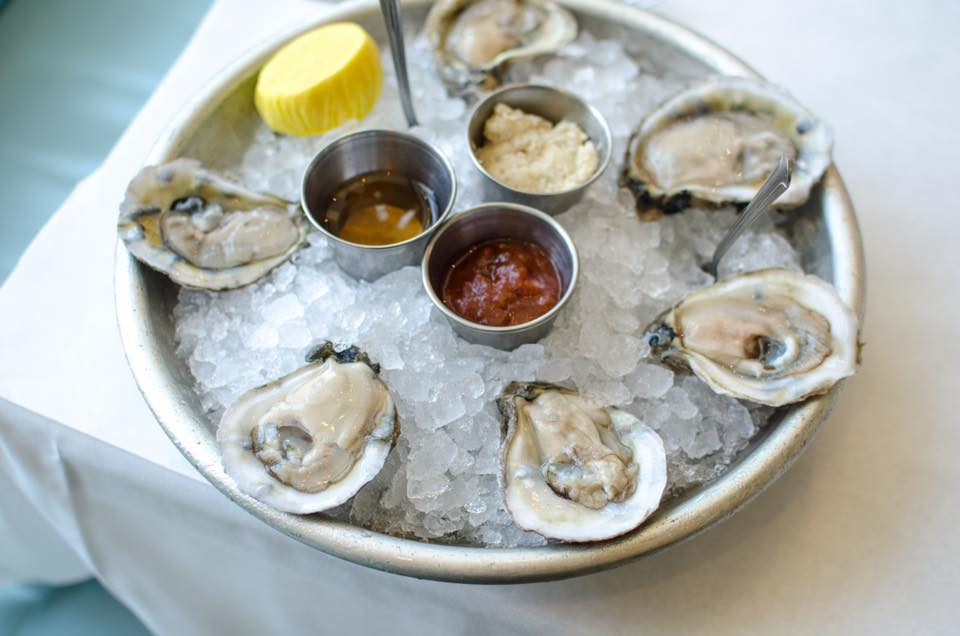 best place for singles in san diego to eat oysters