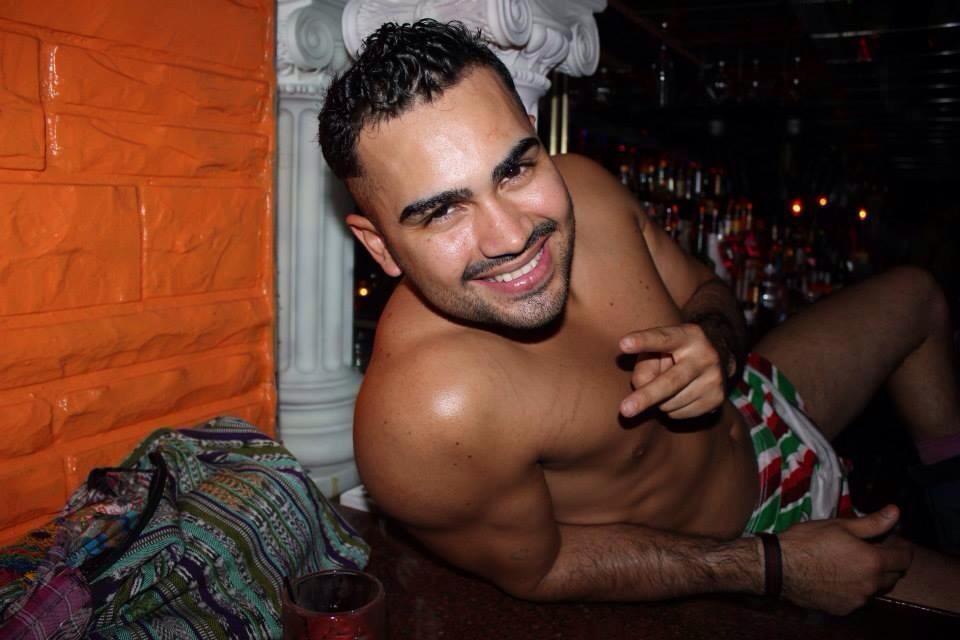 Parnell ia single gay men