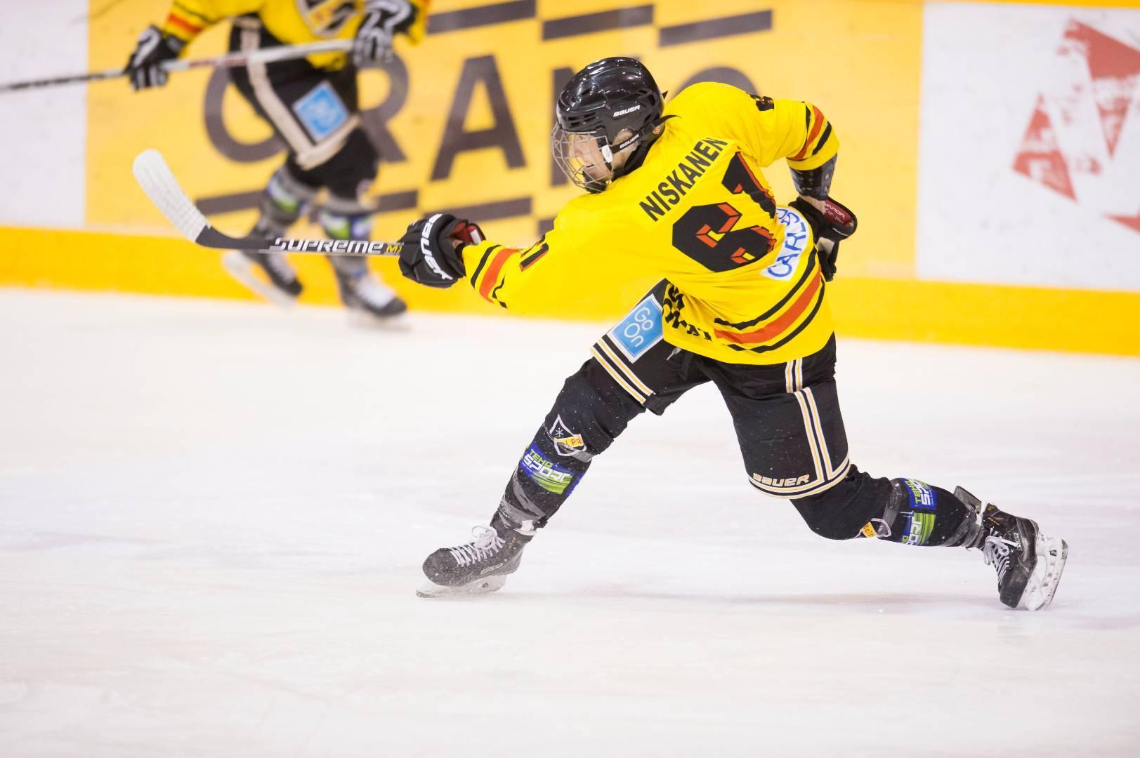 Liiga: Q&A With Tanja Niskanen