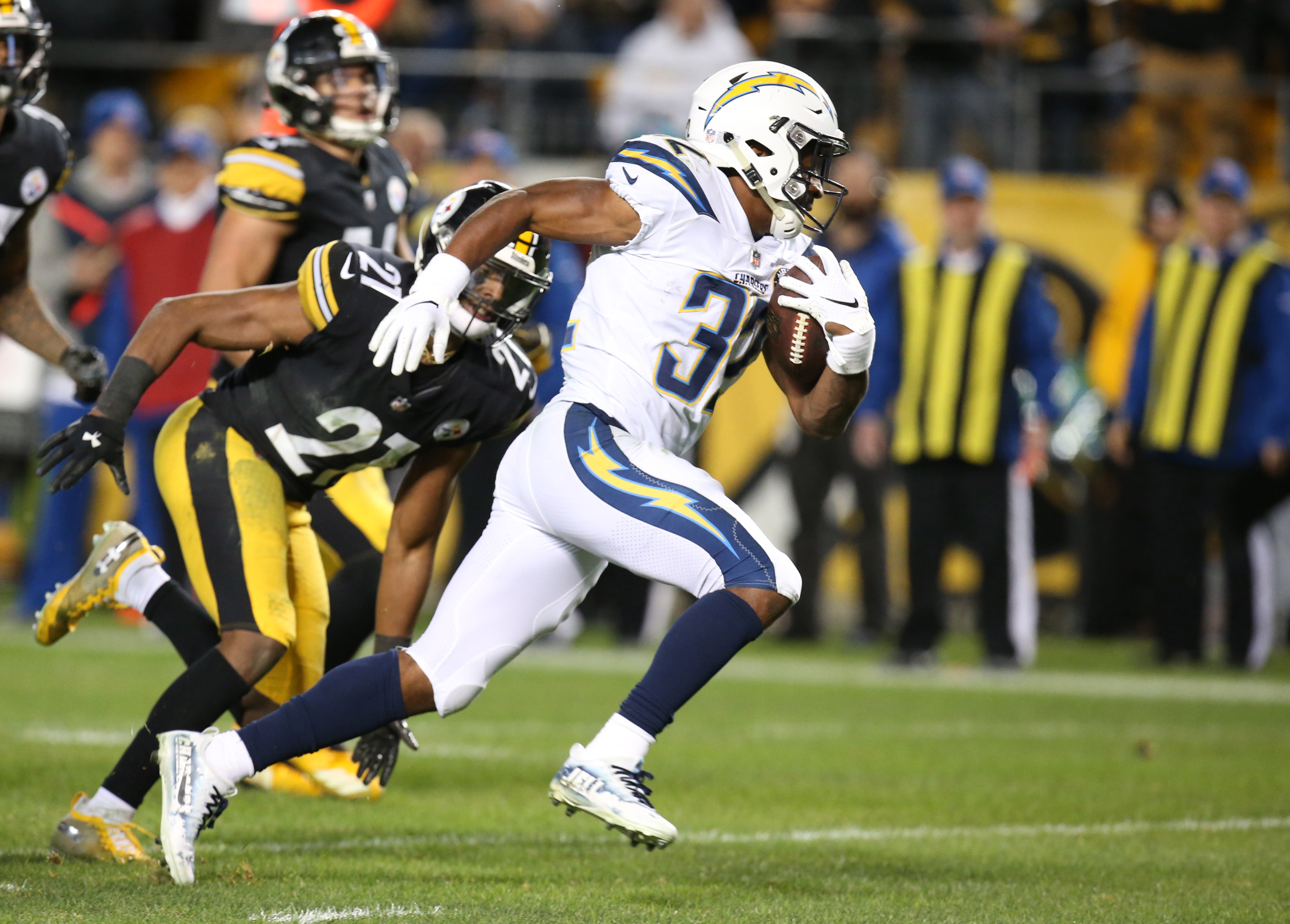 NFL: Los Angeles Chargers at Pittsburgh Steelers