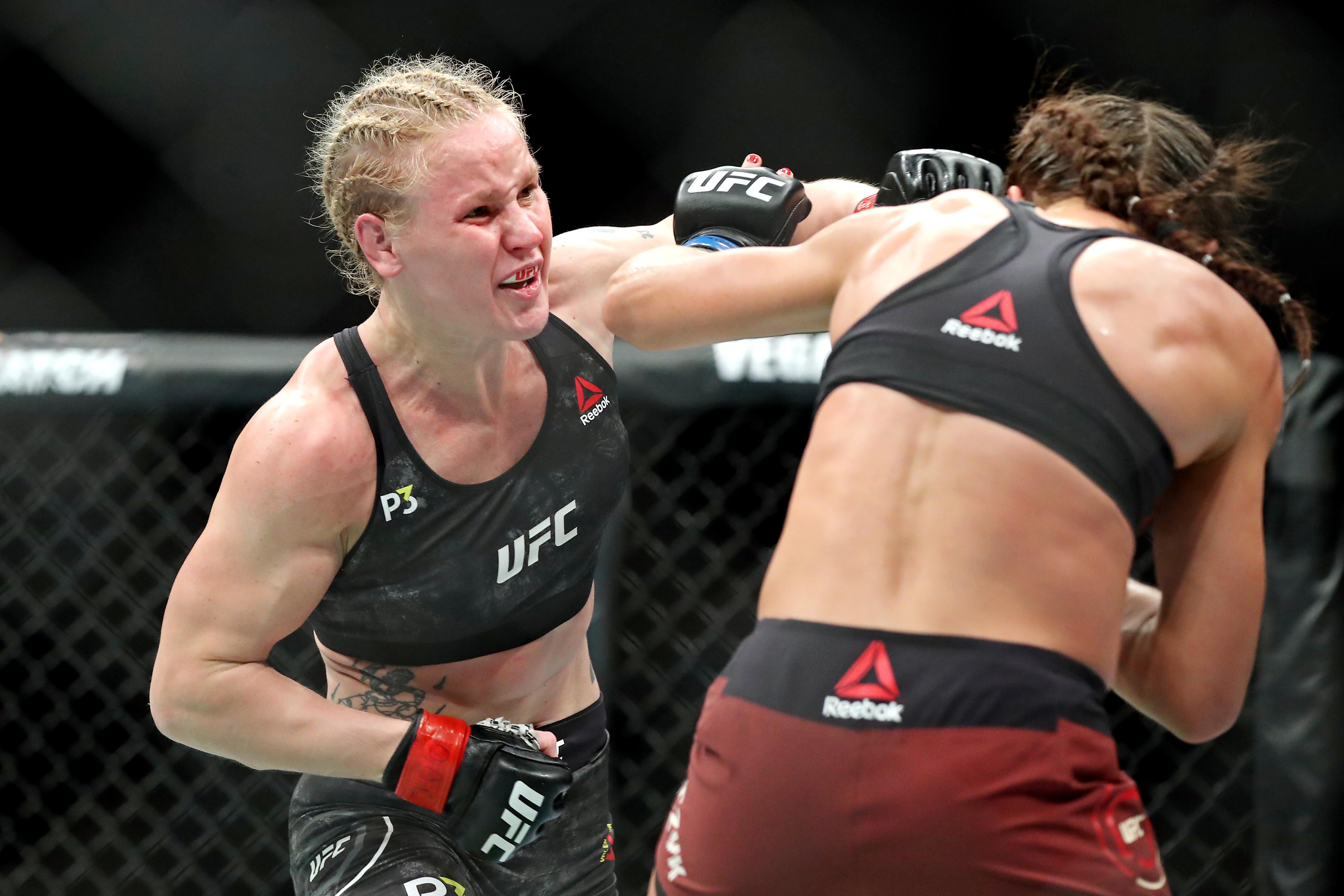 MMA: UFC 231-Shevchenko vs Jedrzejczyk