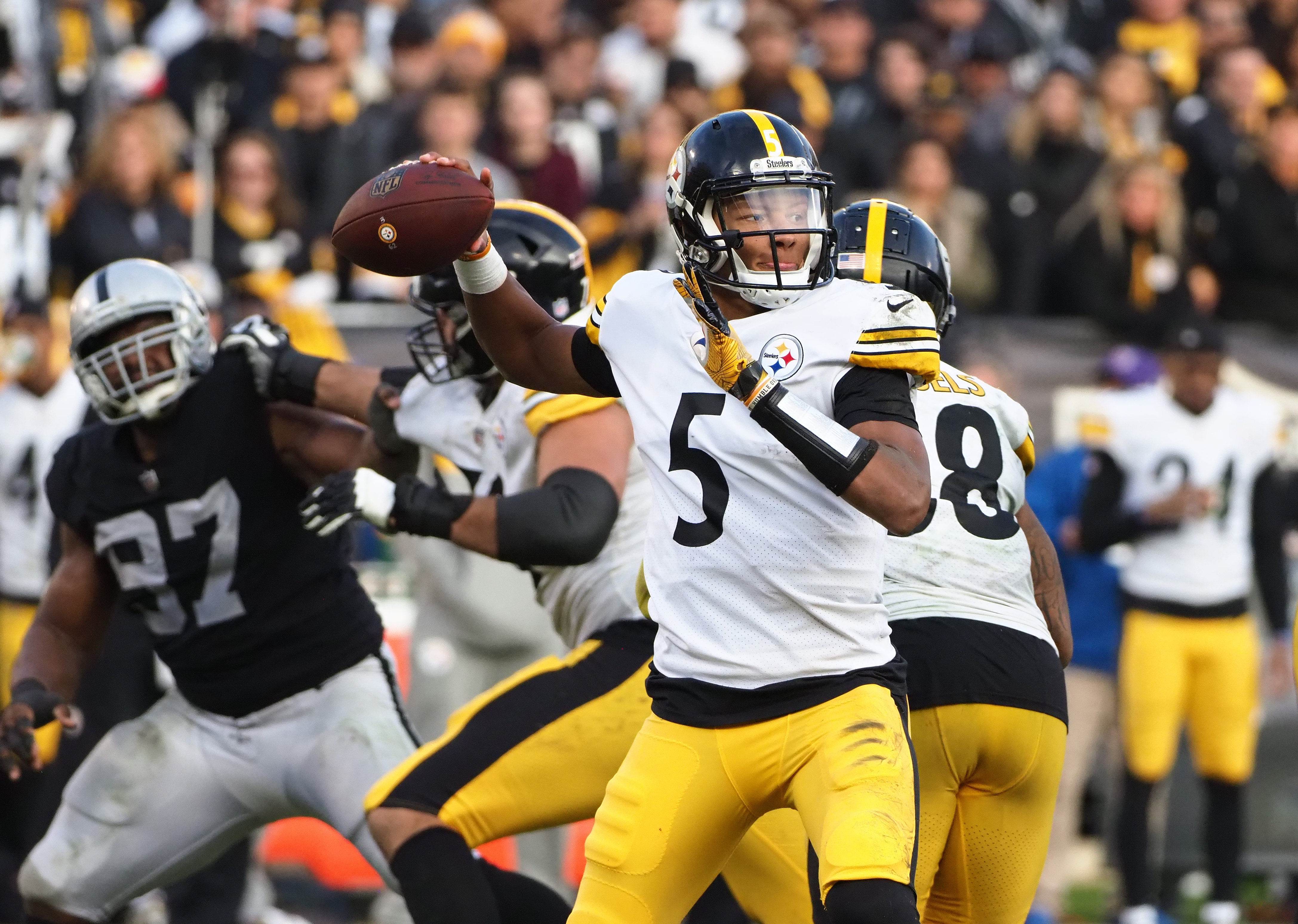 NFL: Pittsburgh Steelers at Oakland Raiders