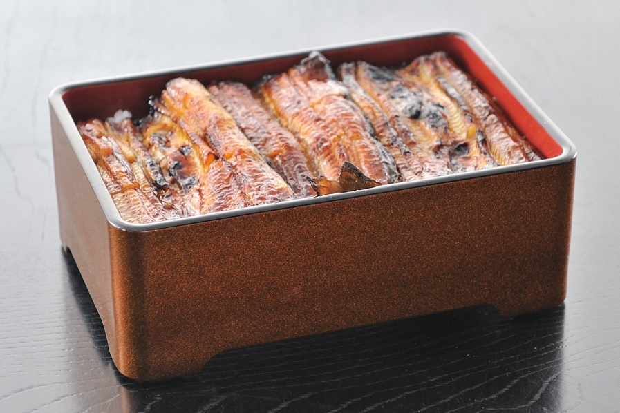 Japanese Grilled Eel Restaurant With Live Fish Tank Opens in Nolita