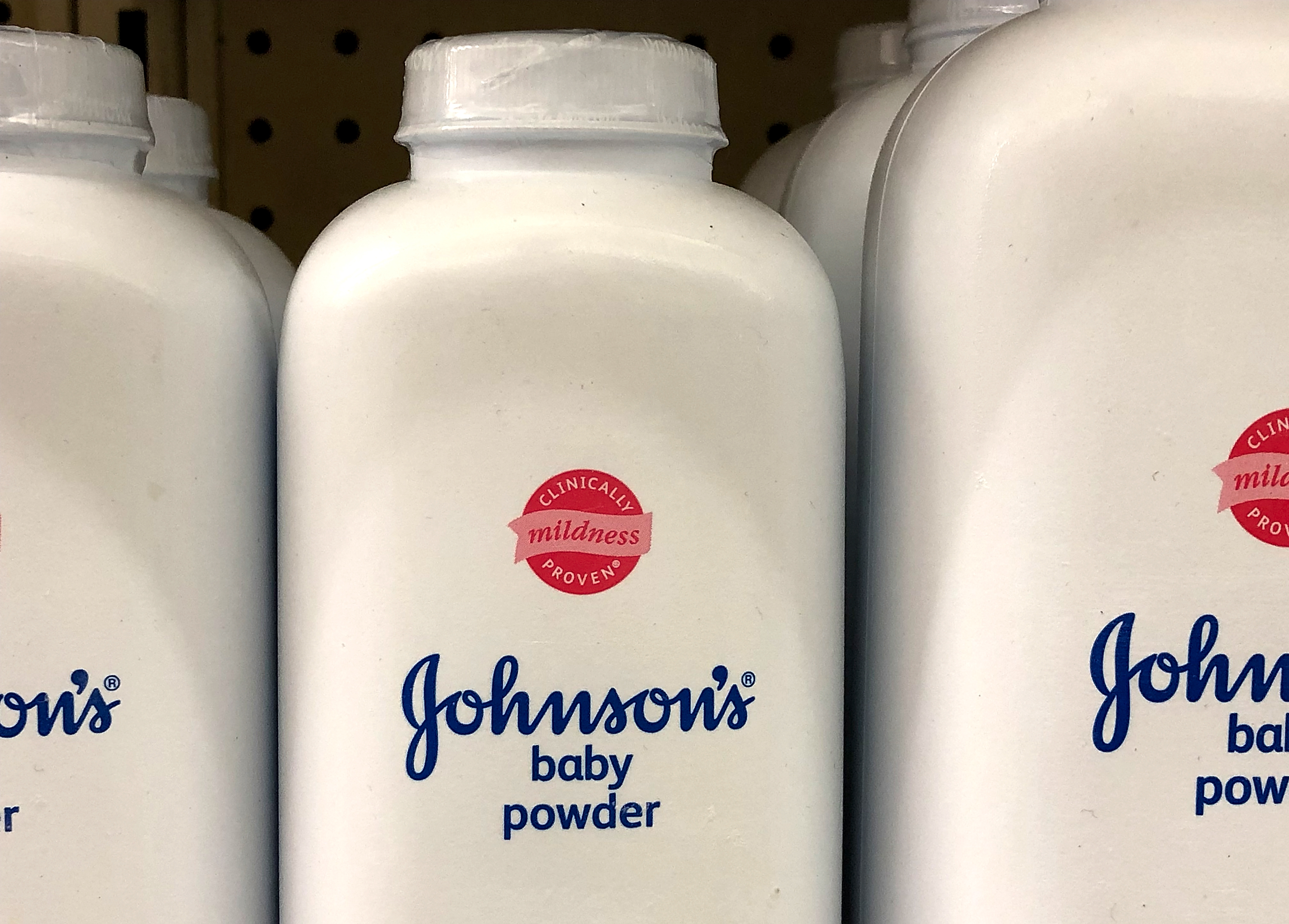 Johnson & Johnson reportedly hid presence of asbestos in