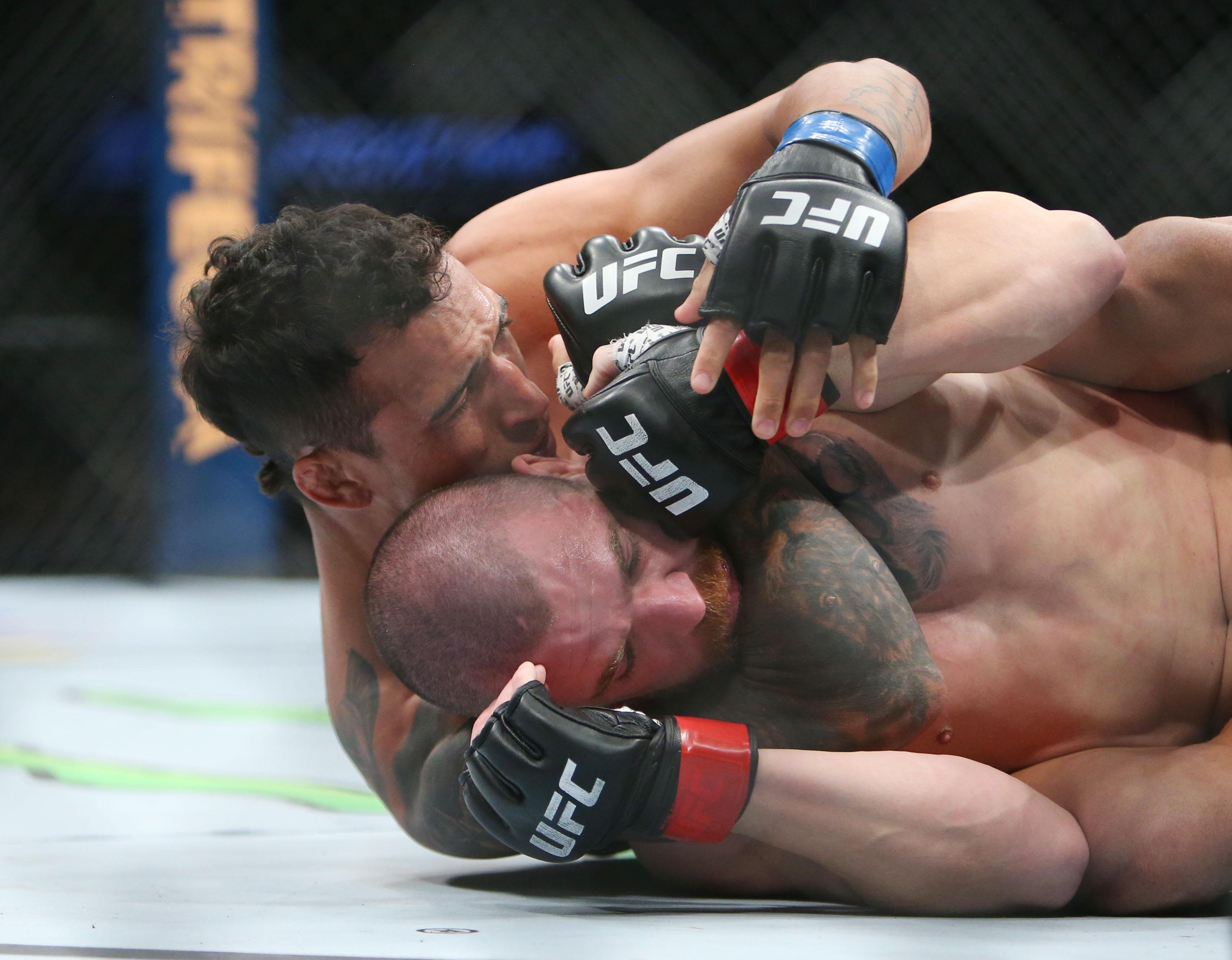 MMA: UFC Fight Night-Milwaukee-Miller vs Oliveira