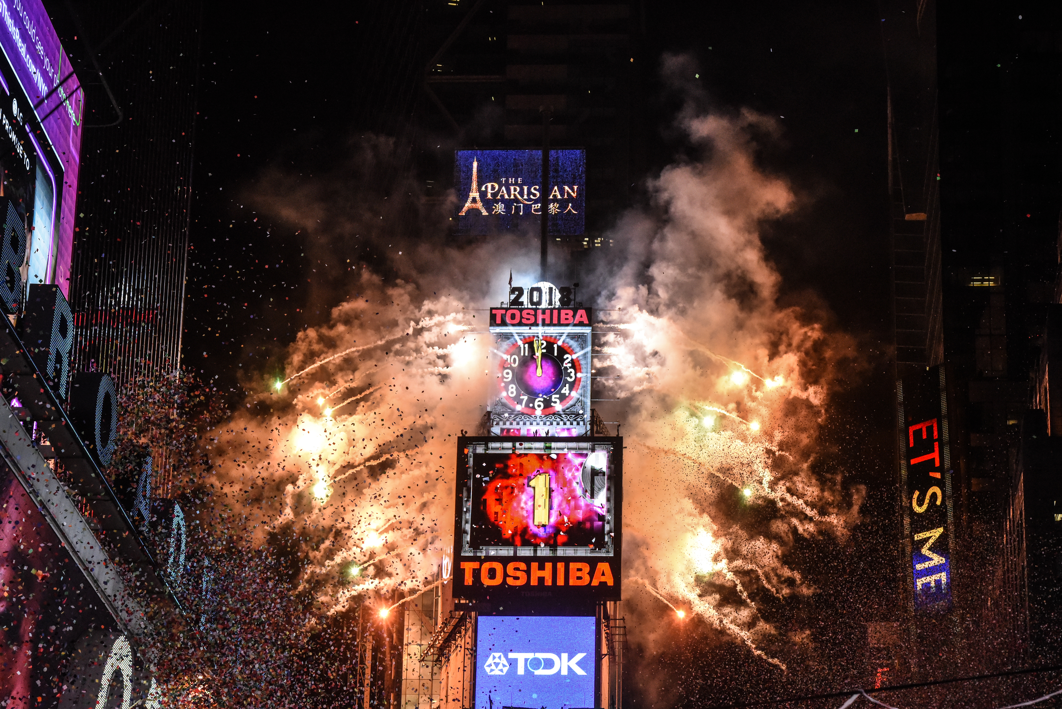 Amid Freezing Temperatures,Crowds Celebrate New Year's Eve In Times Square
