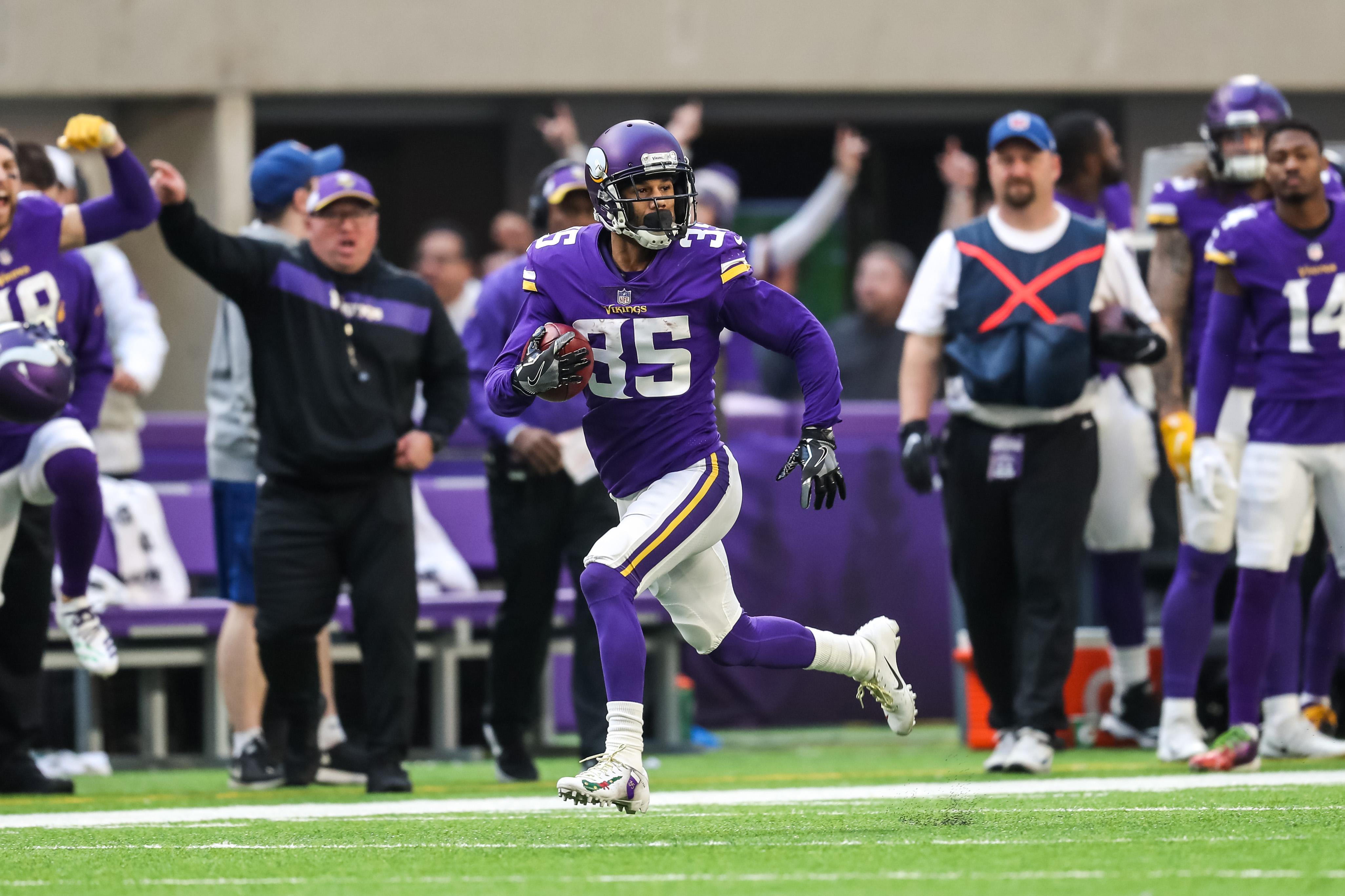 NFL: Miami Dolphins at Minnesota Vikings