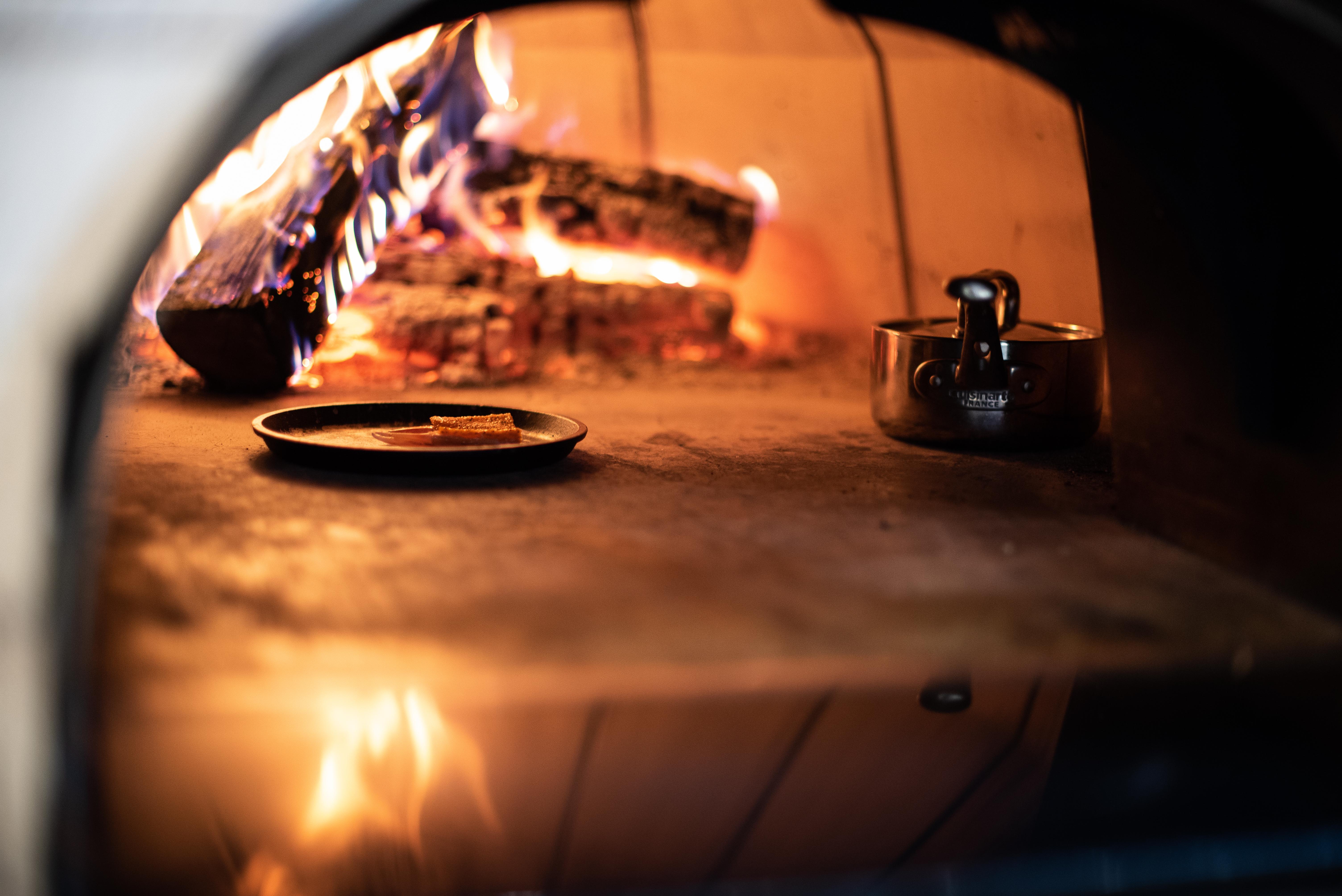 Fire burning oven