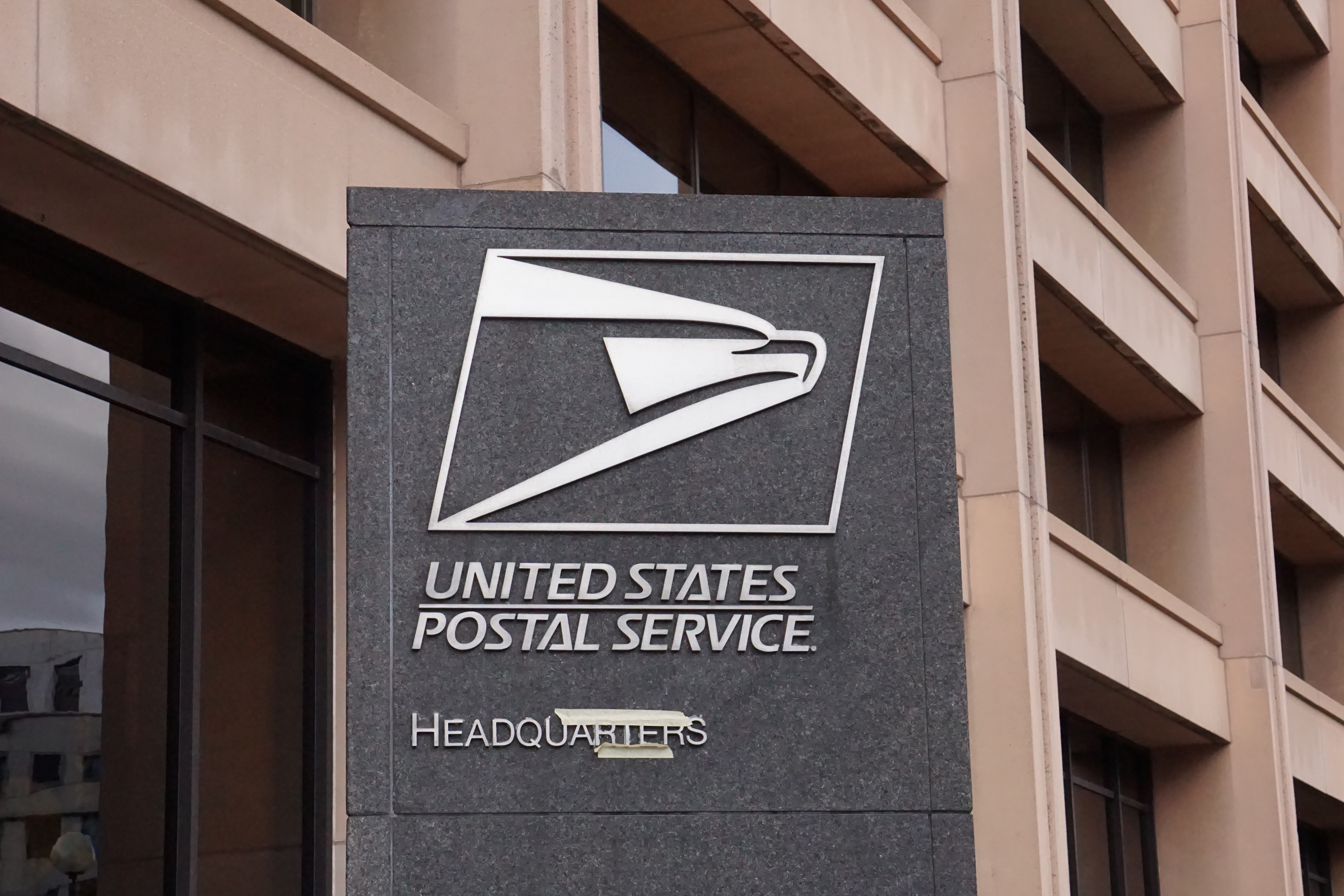 D C  post office problems: Residents tell Eleanor Holmes