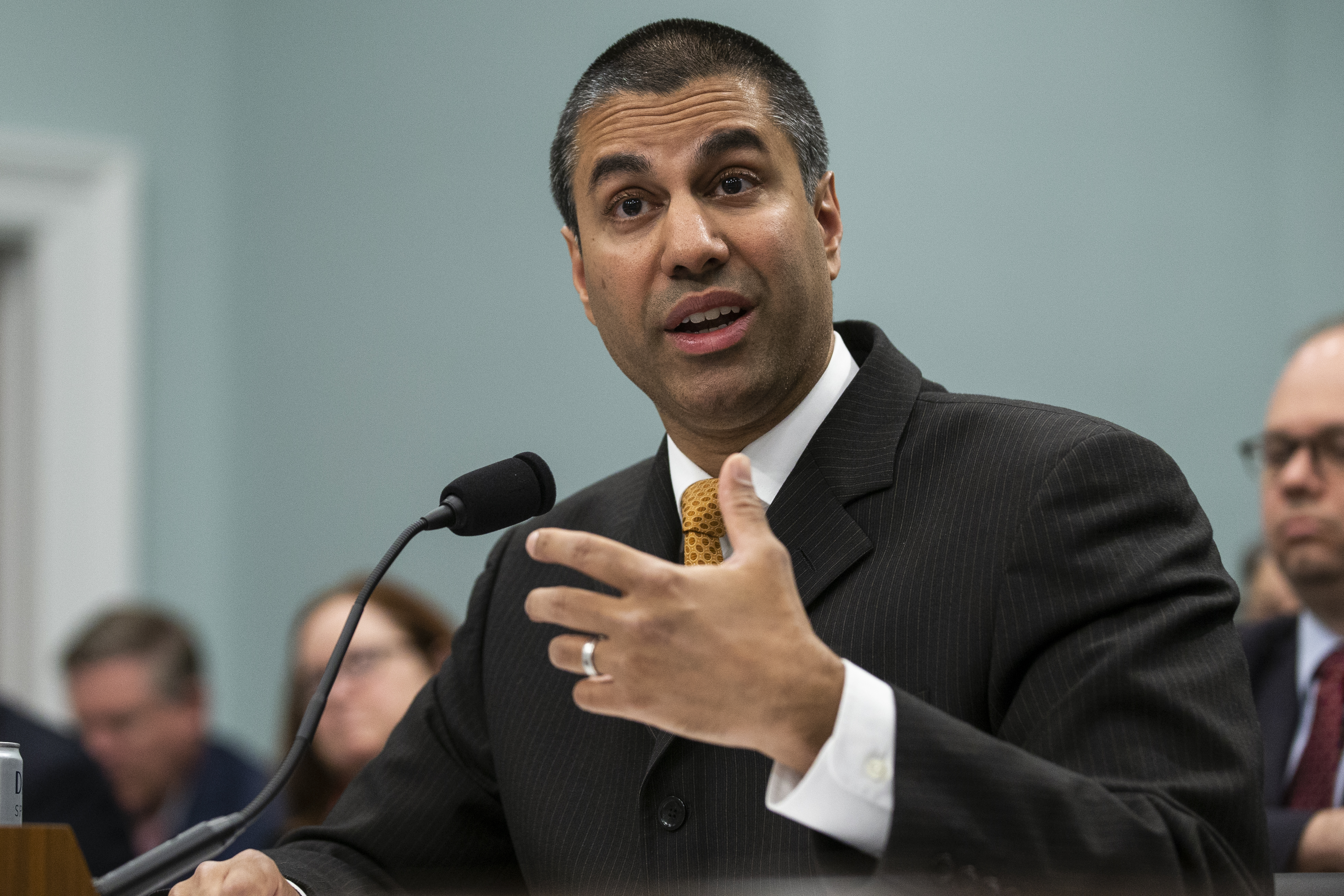 FCC Chairman Ajit Pai cancels trip to CES amid government shutdown