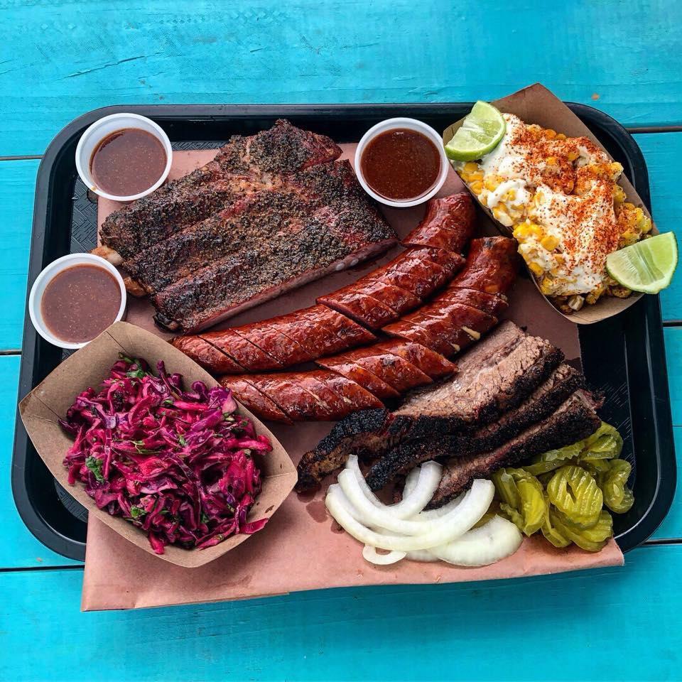 Louie's BBQ tray