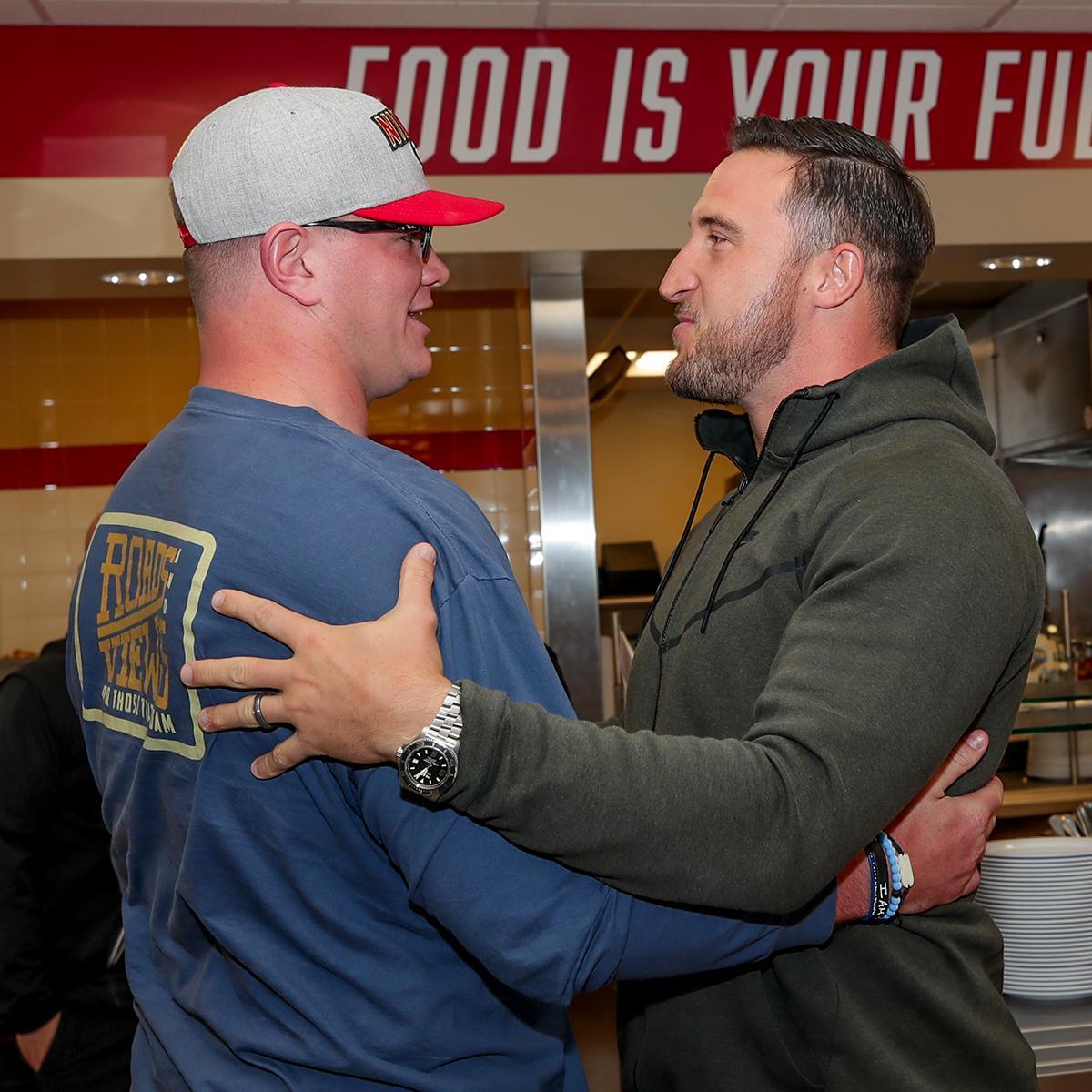 Mike McGlinchey meets Joe Staley at 49ers facility
