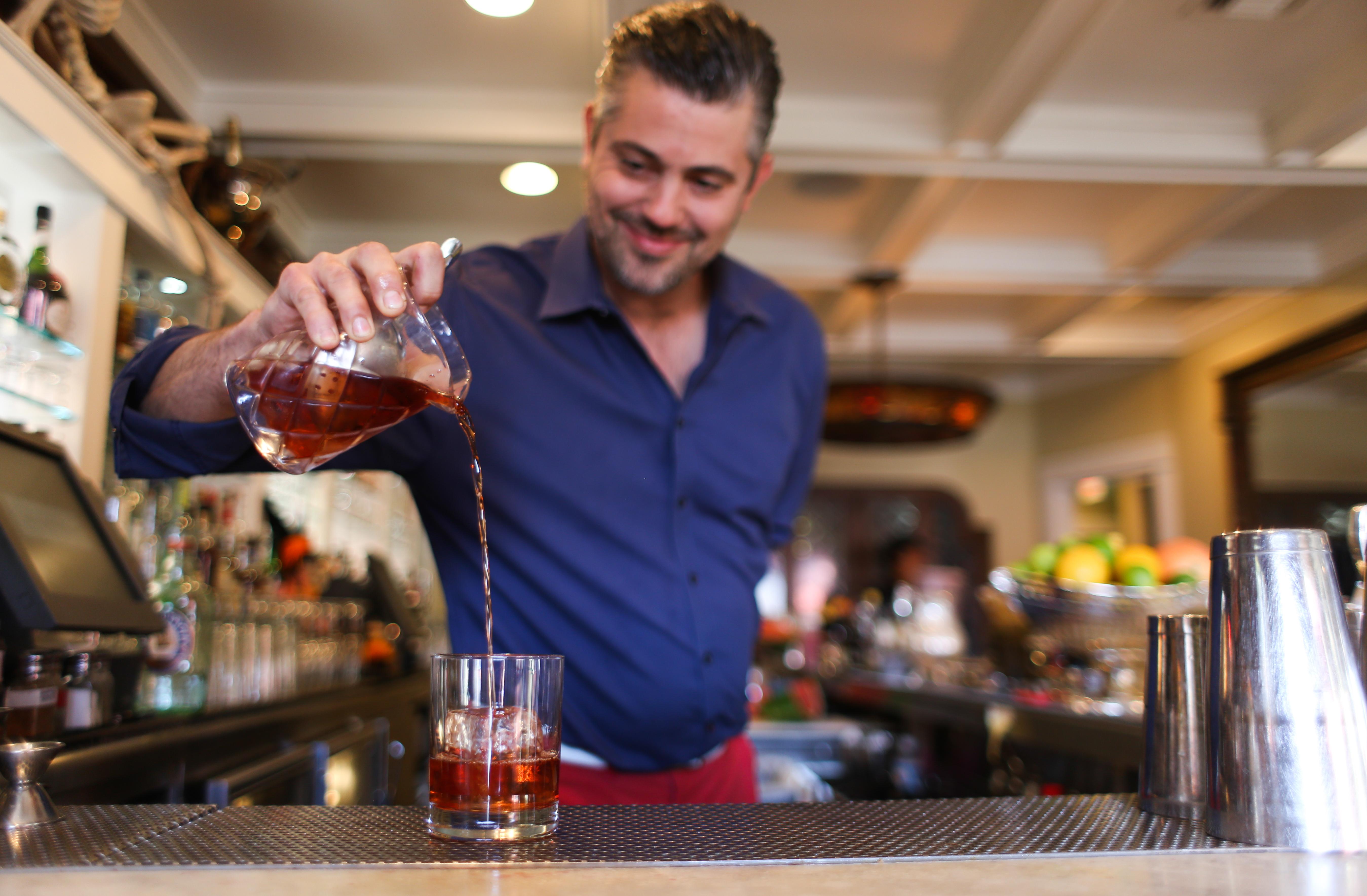 LA City Council Wants to Shorten Lengthy Wait Times For Liquor Licenses