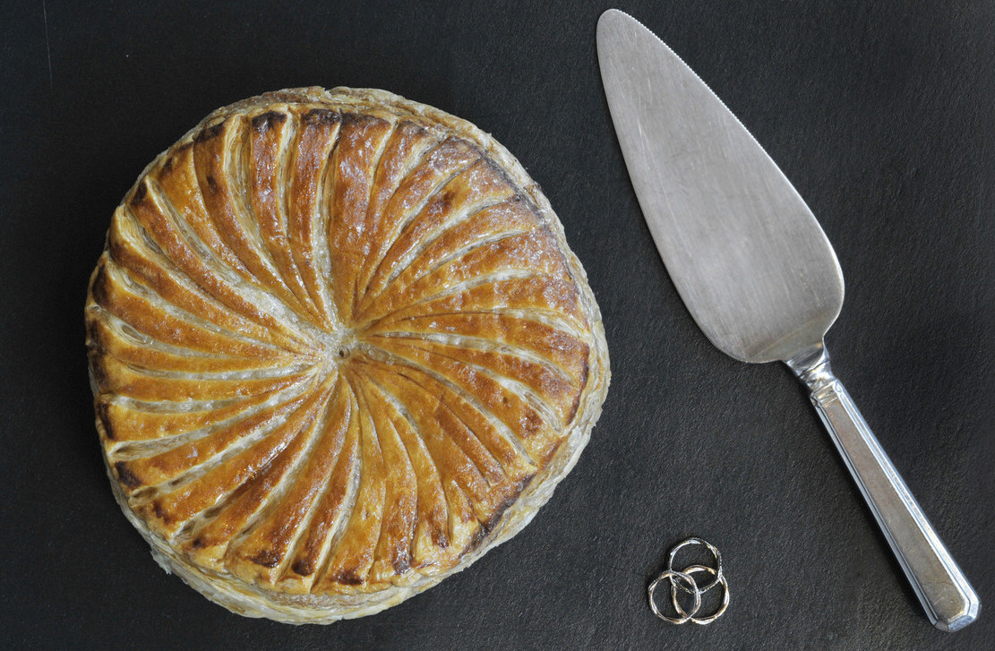 Here's What a Two-Michelin-Starred Epiphany Cake Looks Like