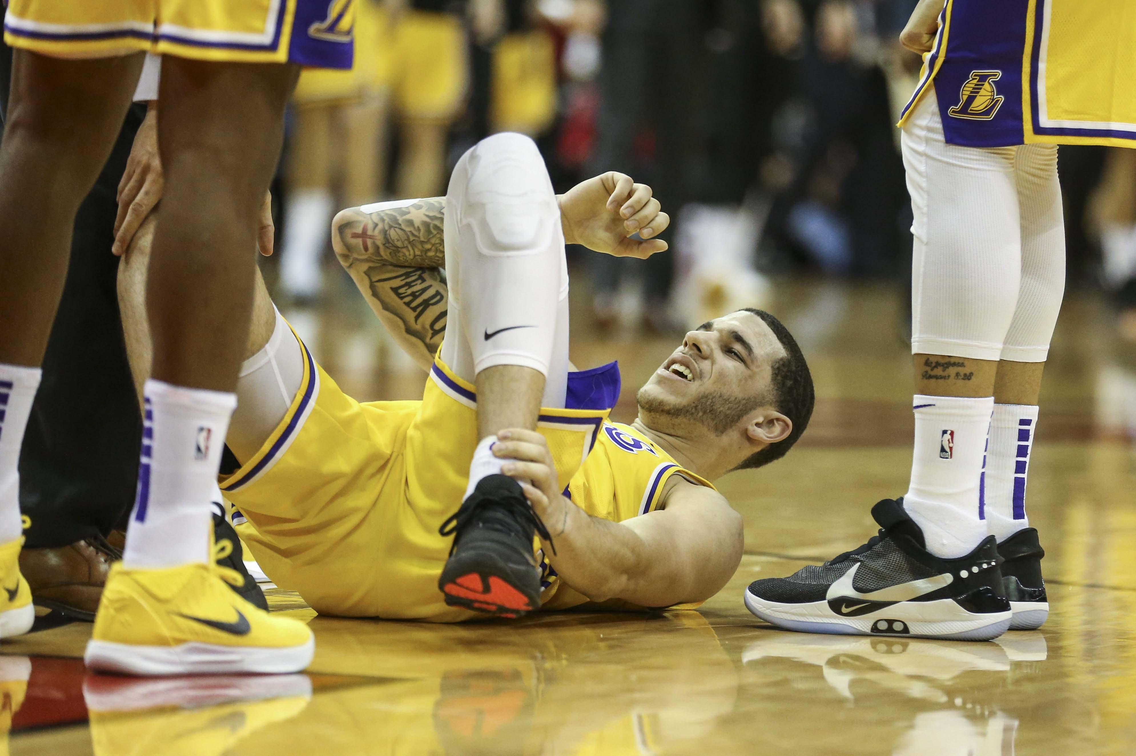 7d092185d Lakers  Lonzo Ball thought he d broken a bone