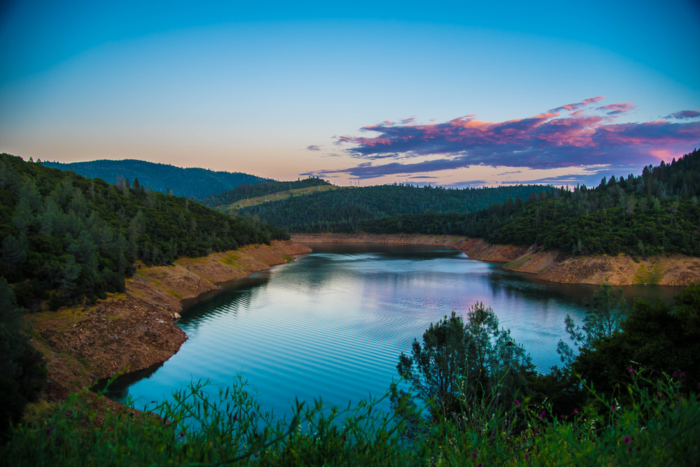 Lake Oroville at dusk.