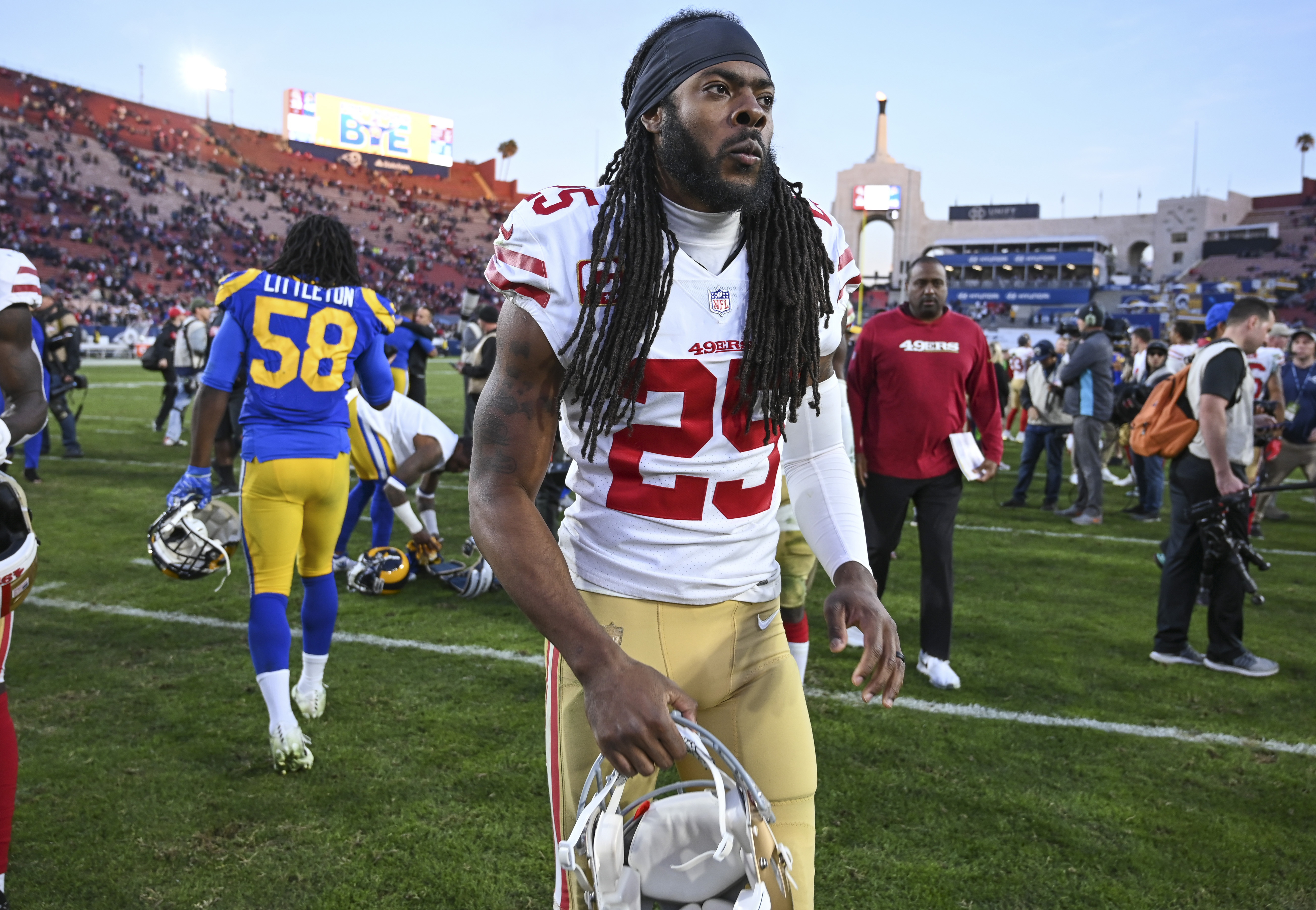 super popular 23dd3 a2226 How poorly did Richard Sherman do representing himself in ...
