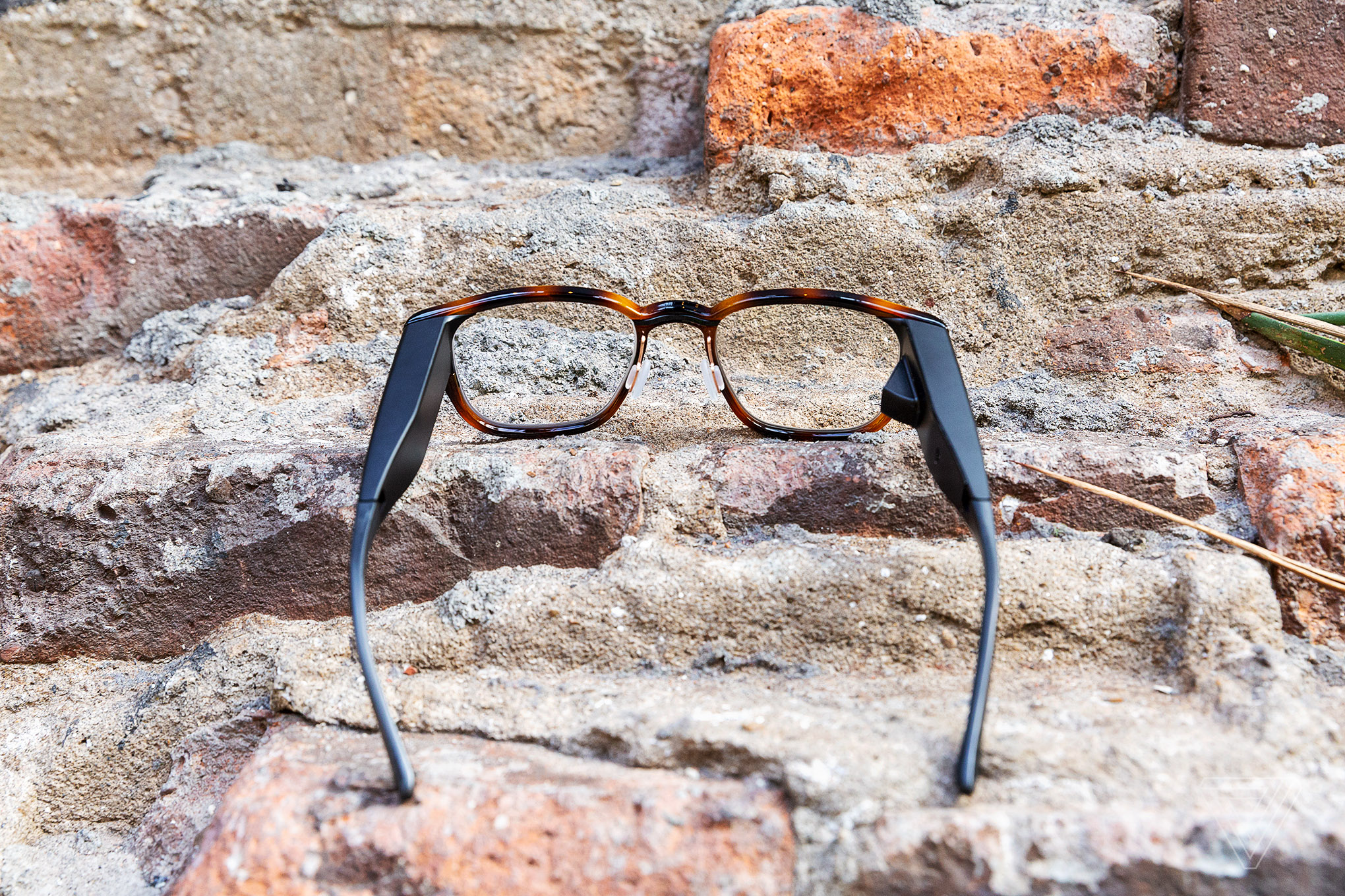 265072de94 North drops the price of its Focals smart glasses by nearly half - The Verge