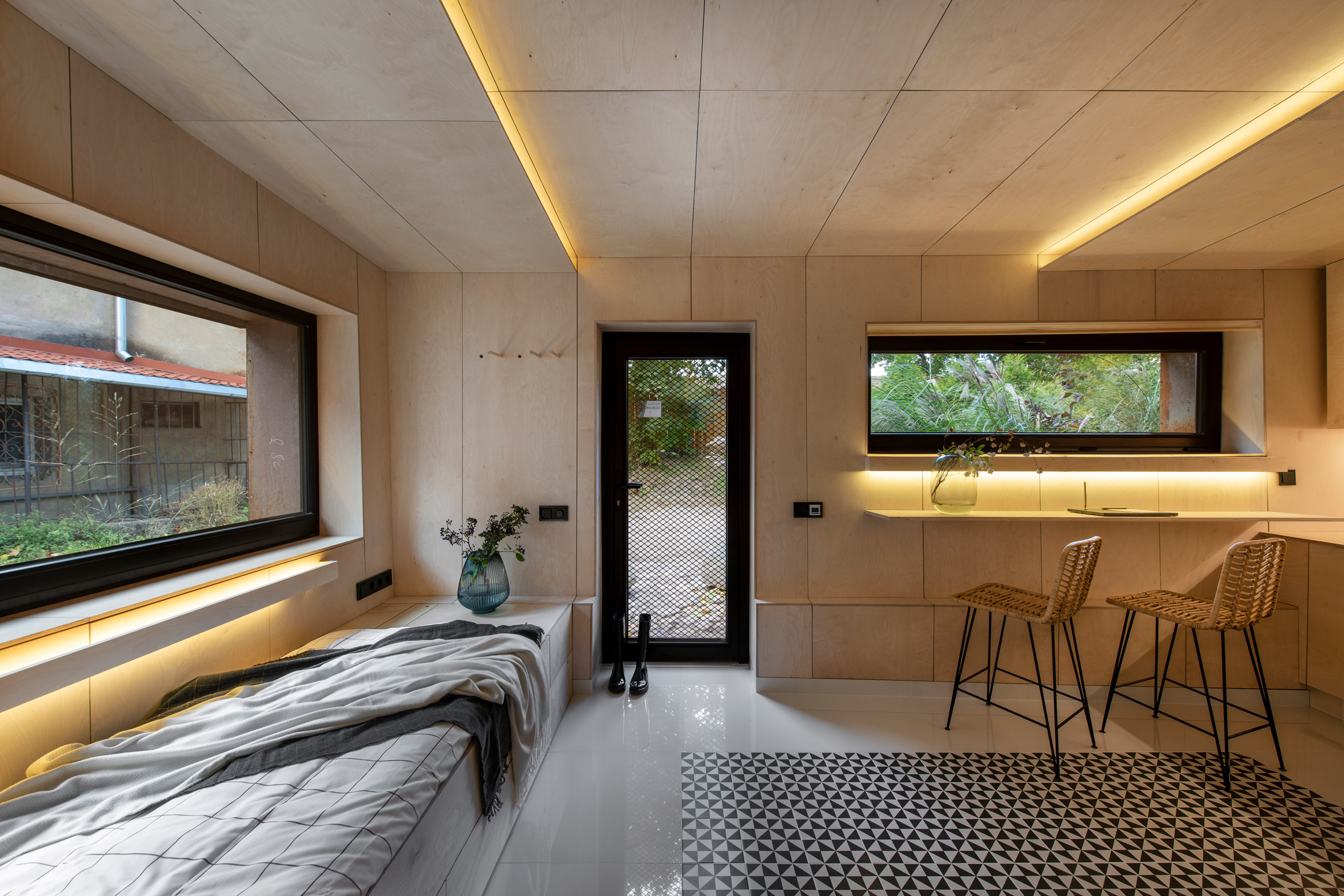 Shabby garage transformed into an impressive micro home