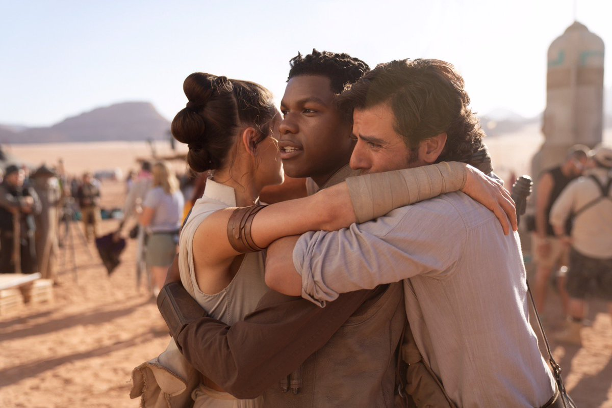 J.J. Abrams announces the final day of shooting on Episode IX with emotional photo